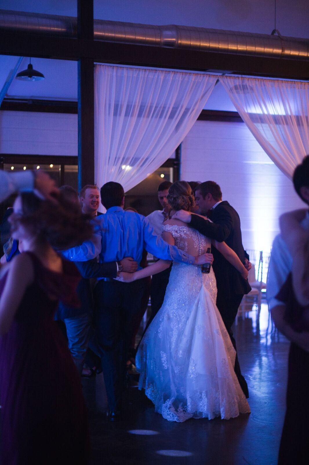 Tulsa Wedding Venue White Barn 27.jpg