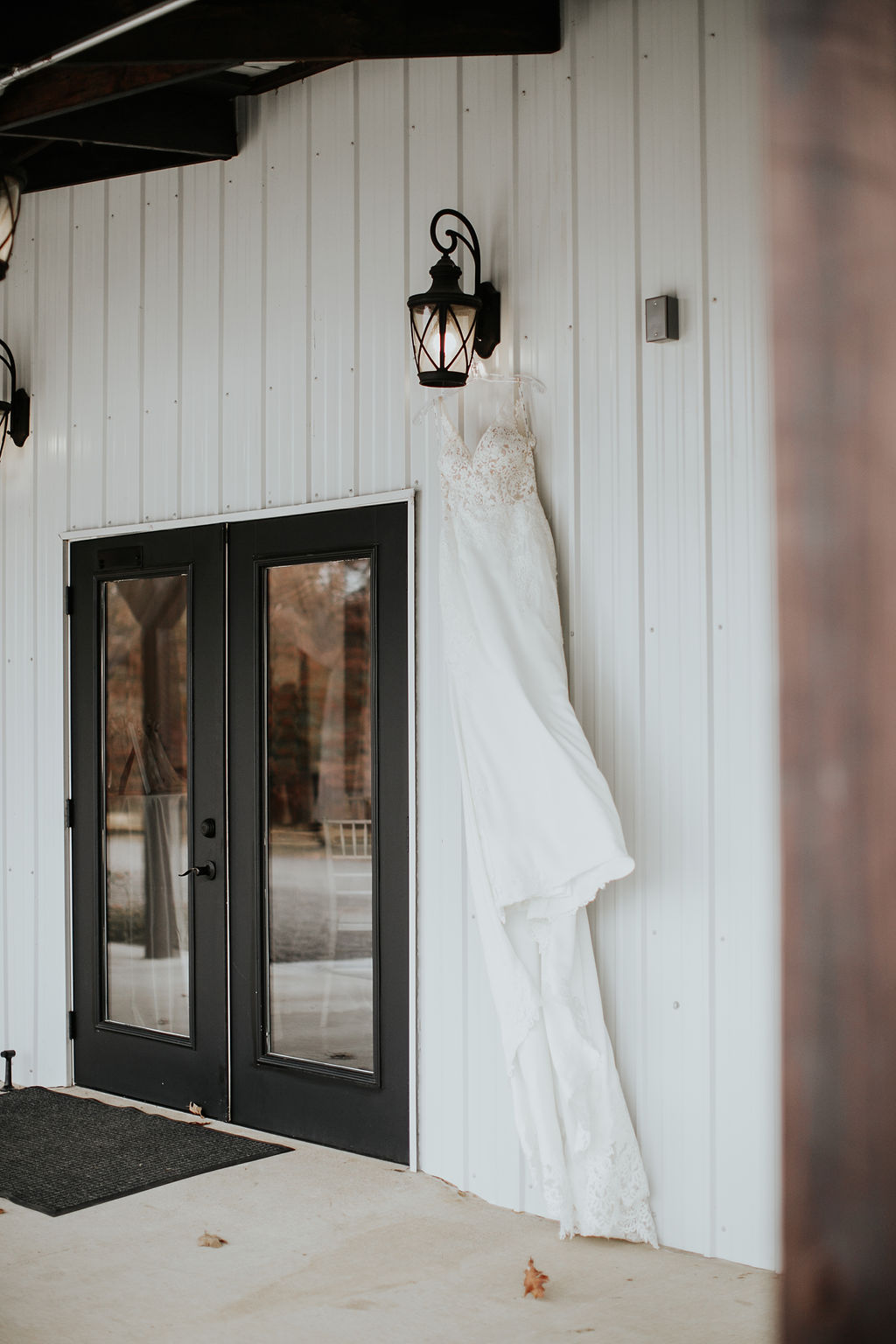 Tulsa Wedding Venue Bixby White Barn 3.jpg