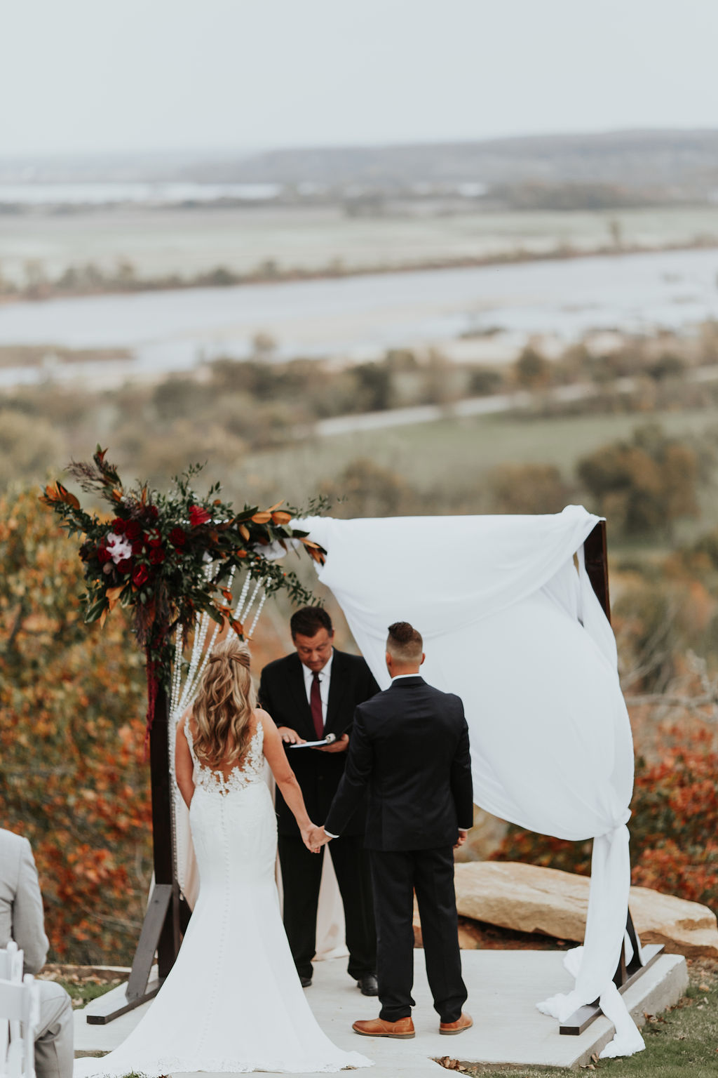 Tulsa Wedding Venue Bixby White Barn 16a.jpg