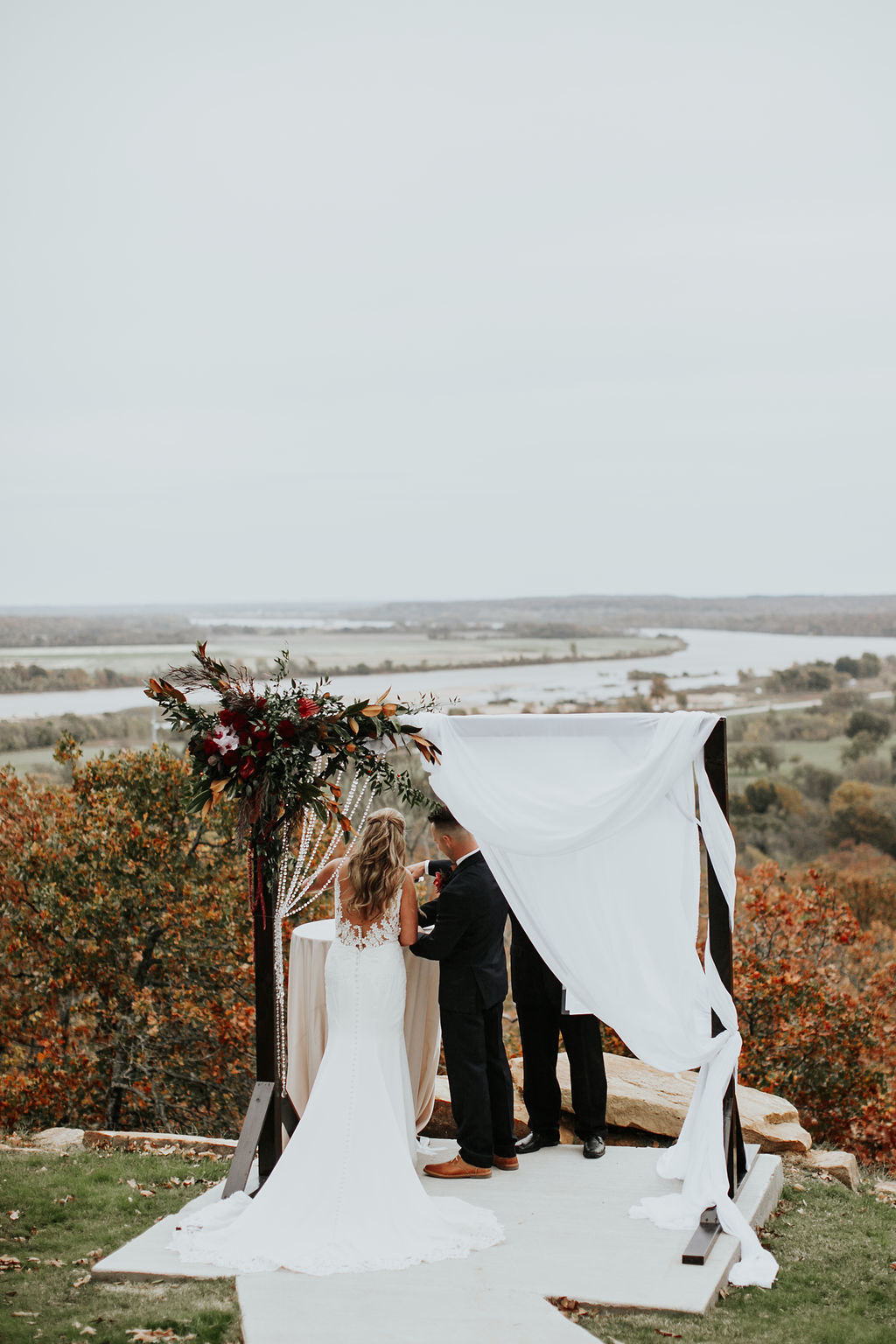 Tulsa Wedding Venue Bixby White Barn 19.jpg