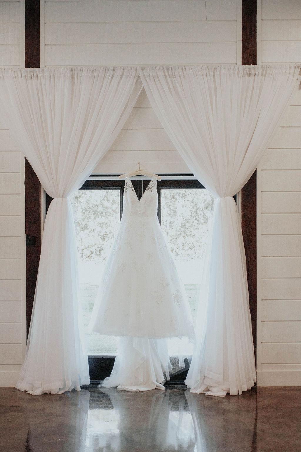 Bixby Tulsa Wedding Venue White Barn 3.jpg