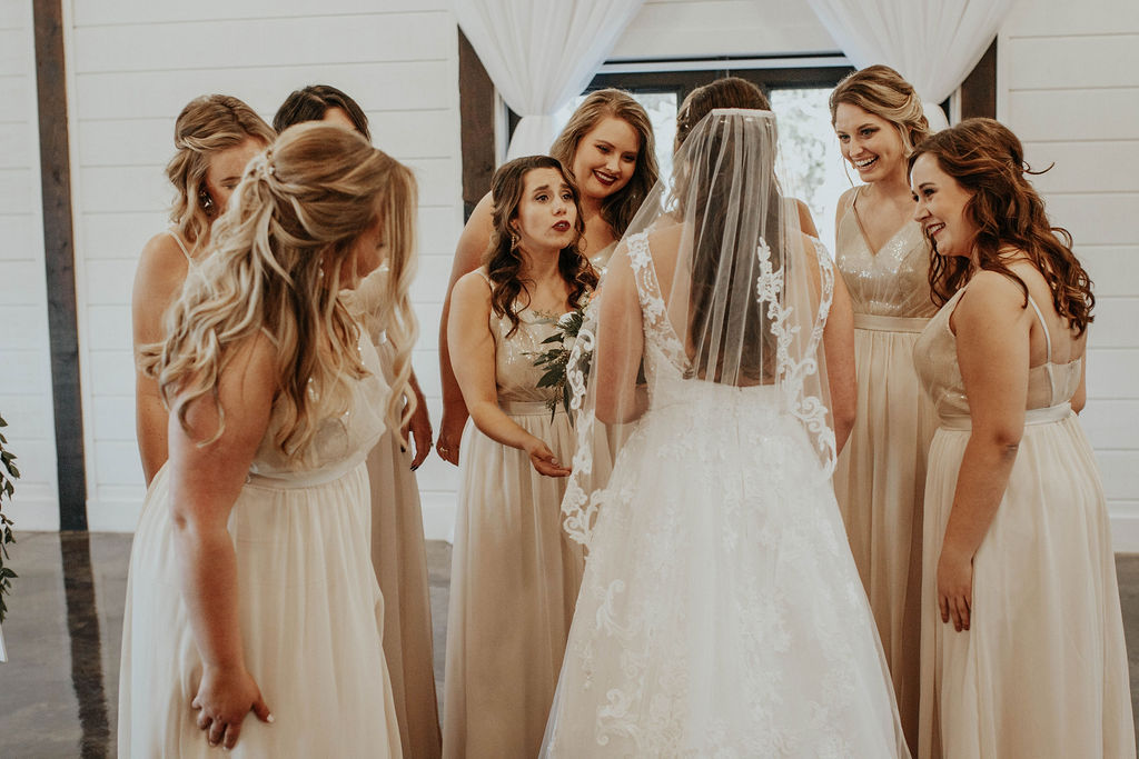 Bixby Tulsa Wedding Venue White Barn 11.jpg