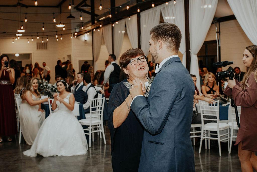 Bixby Tulsa Wedding Venue White Barn 52.jpg