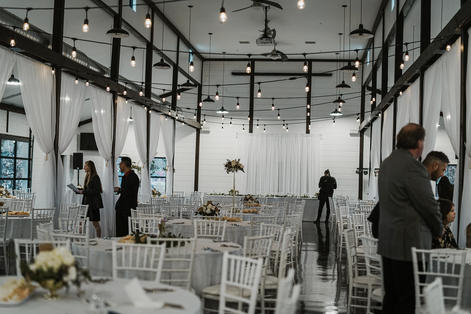 Bixby Tulsa White Barn Wedding Venues 5.jpg