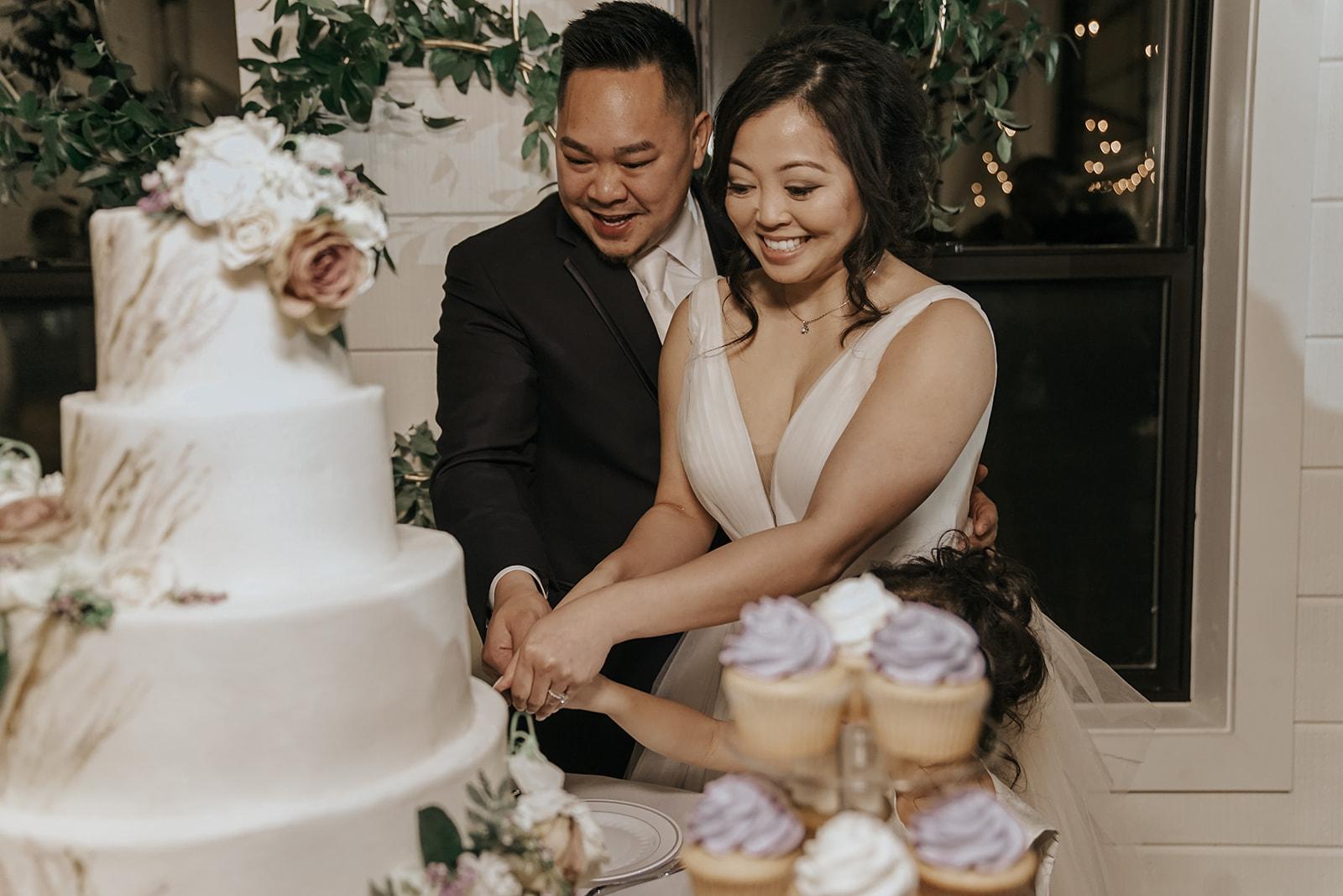 Bixby Tulsa White Barn Wedding Venues 19c.jpg