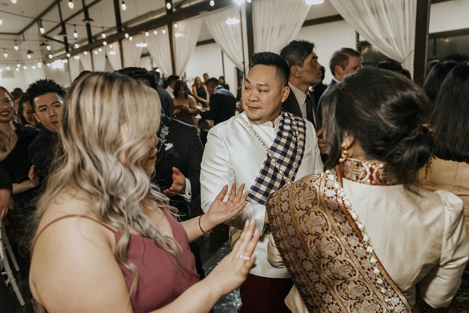 Bixby Tulsa White Barn Wedding Venues 32a.jpg