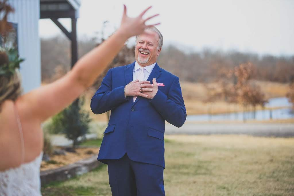 Tulsa White Barn Wedding Venue 8.jpg