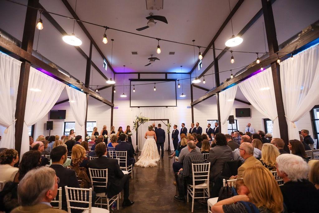 Tulsa White Barn Wedding Venue 26.jpg