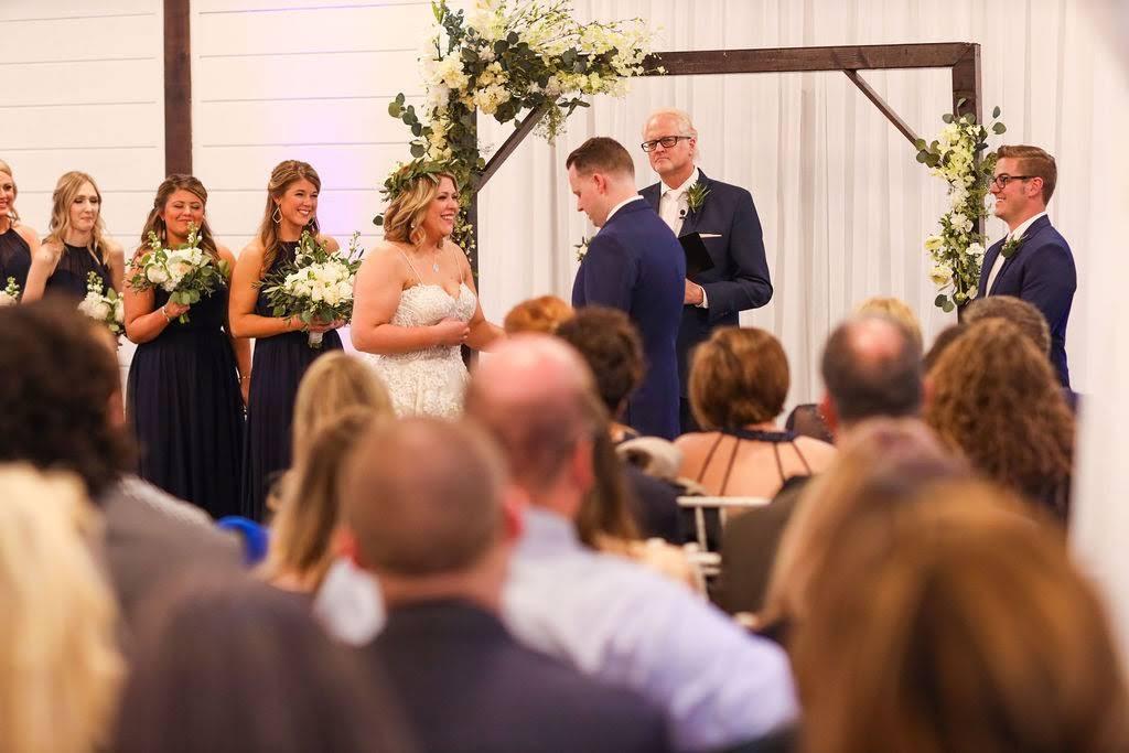 Tulsa White Barn Wedding Venue 27.jpg