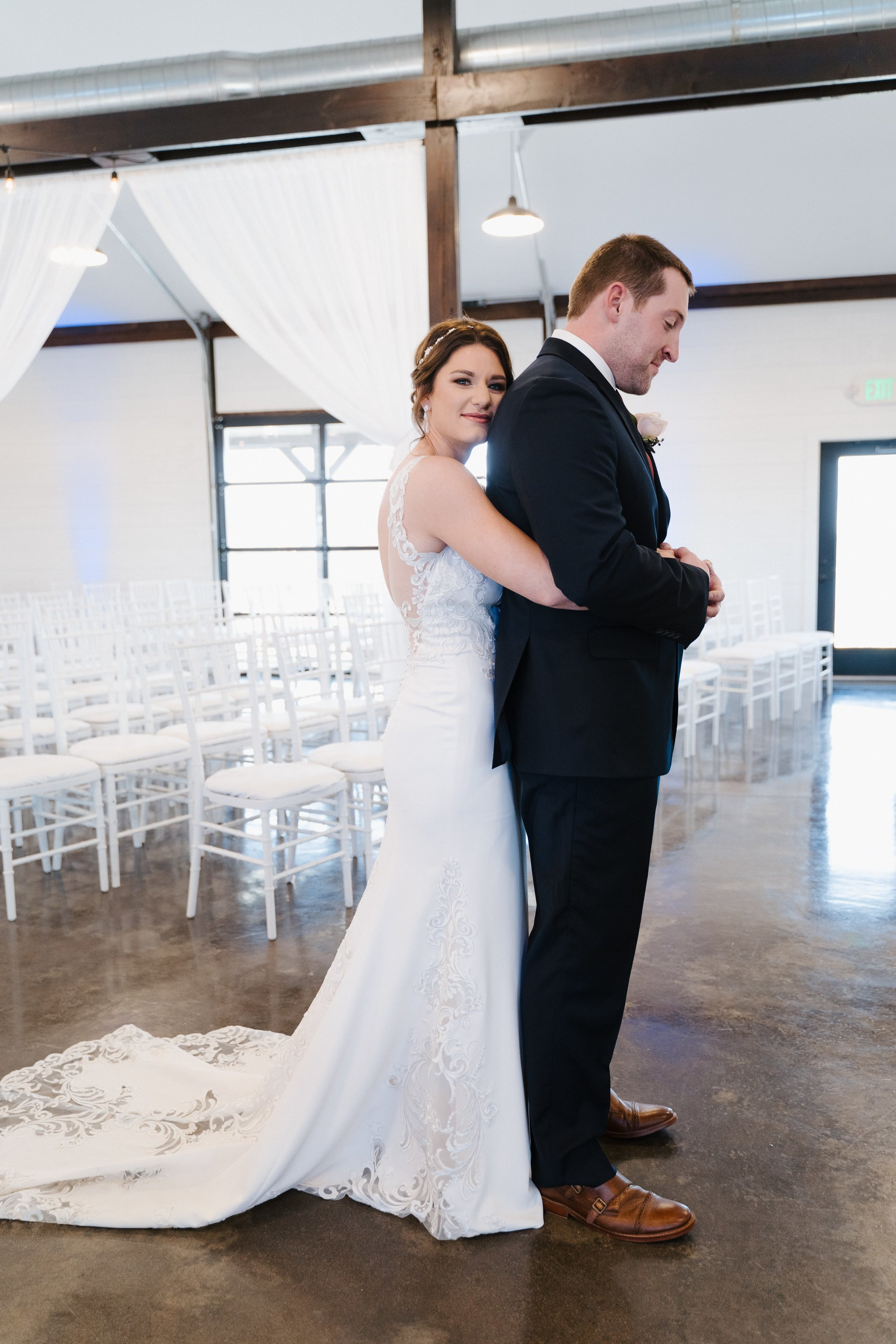 Tulsa Wedding Venues White Barn 10.jpg