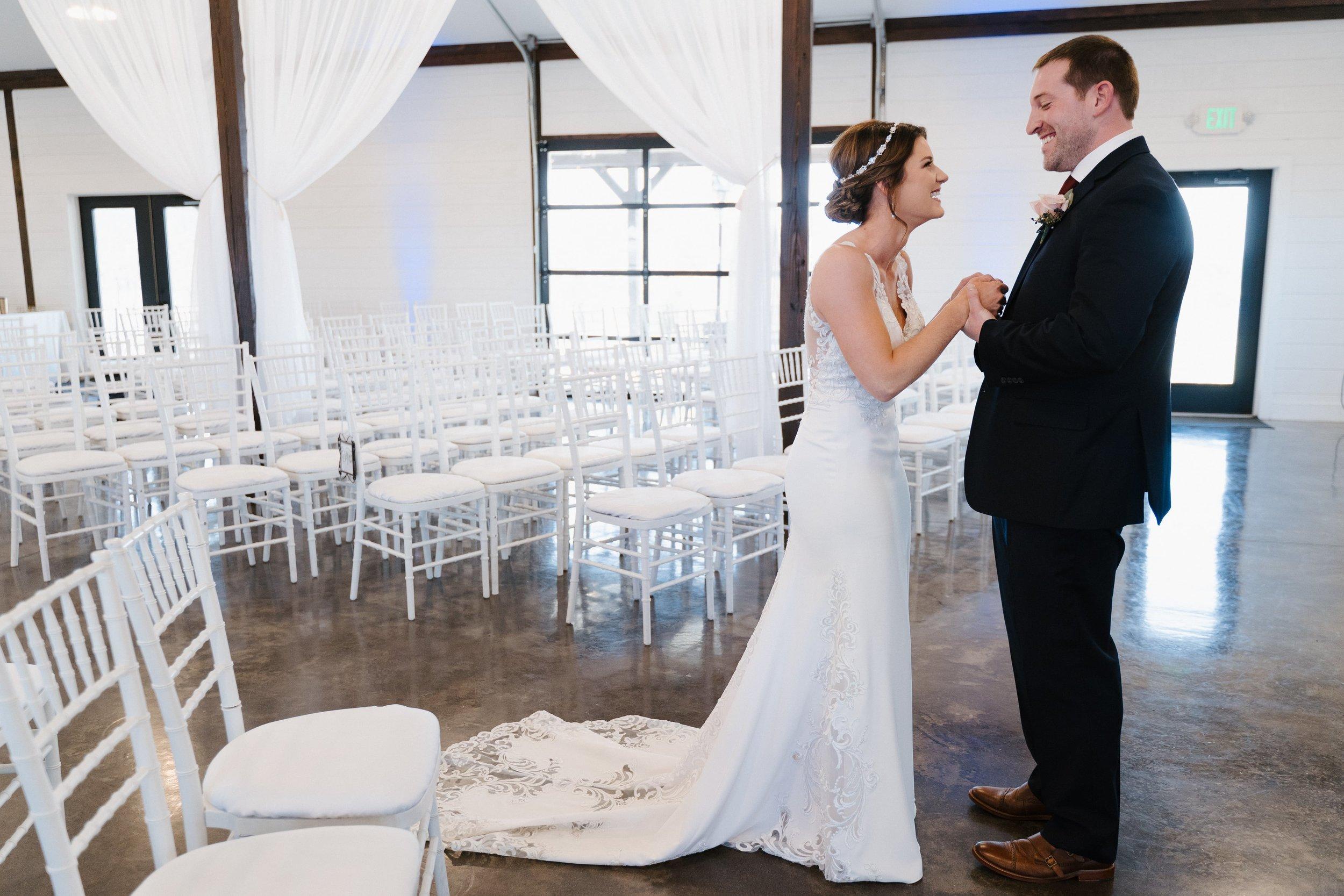 Tulsa Wedding Venues White Barn 11.jpg