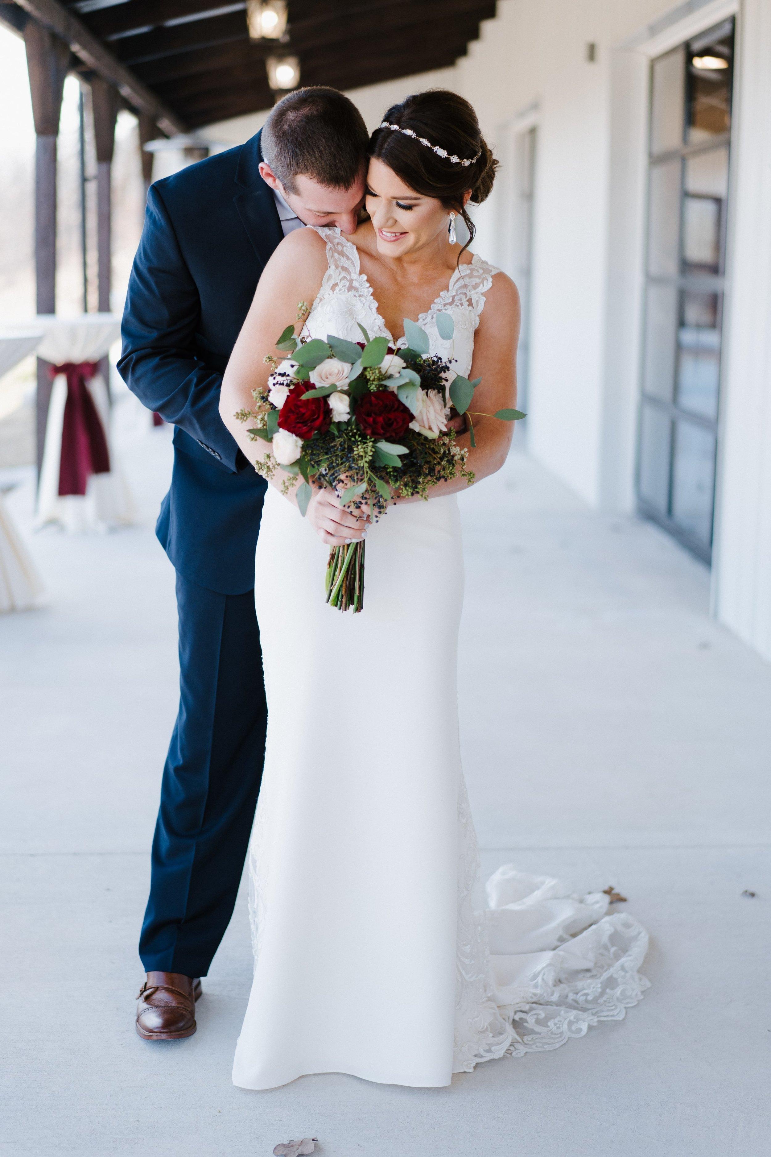 Tulsa Wedding Venues White Barn 15.jpg