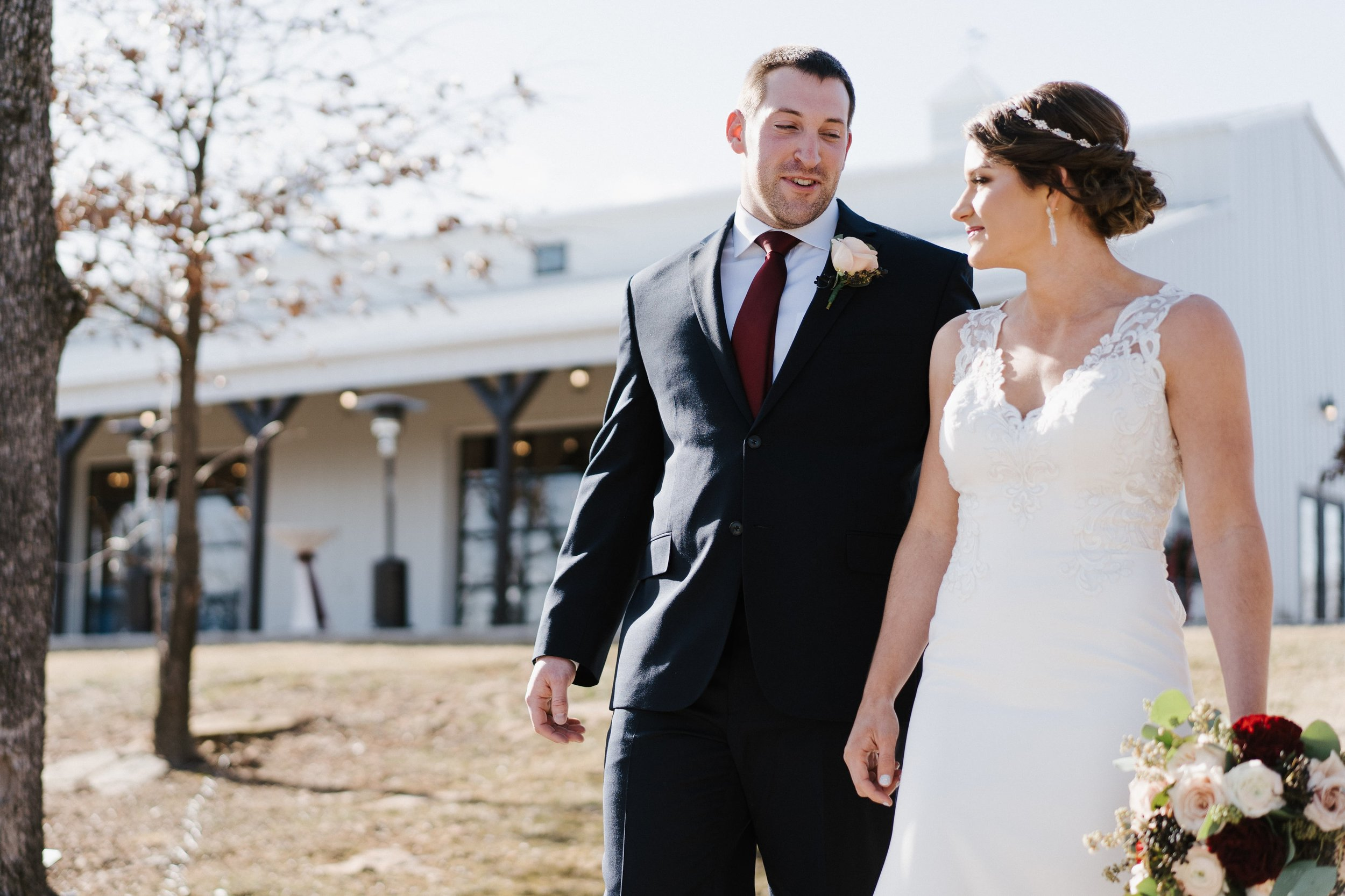 Tulsa Wedding Venues White Barn 16.jpg