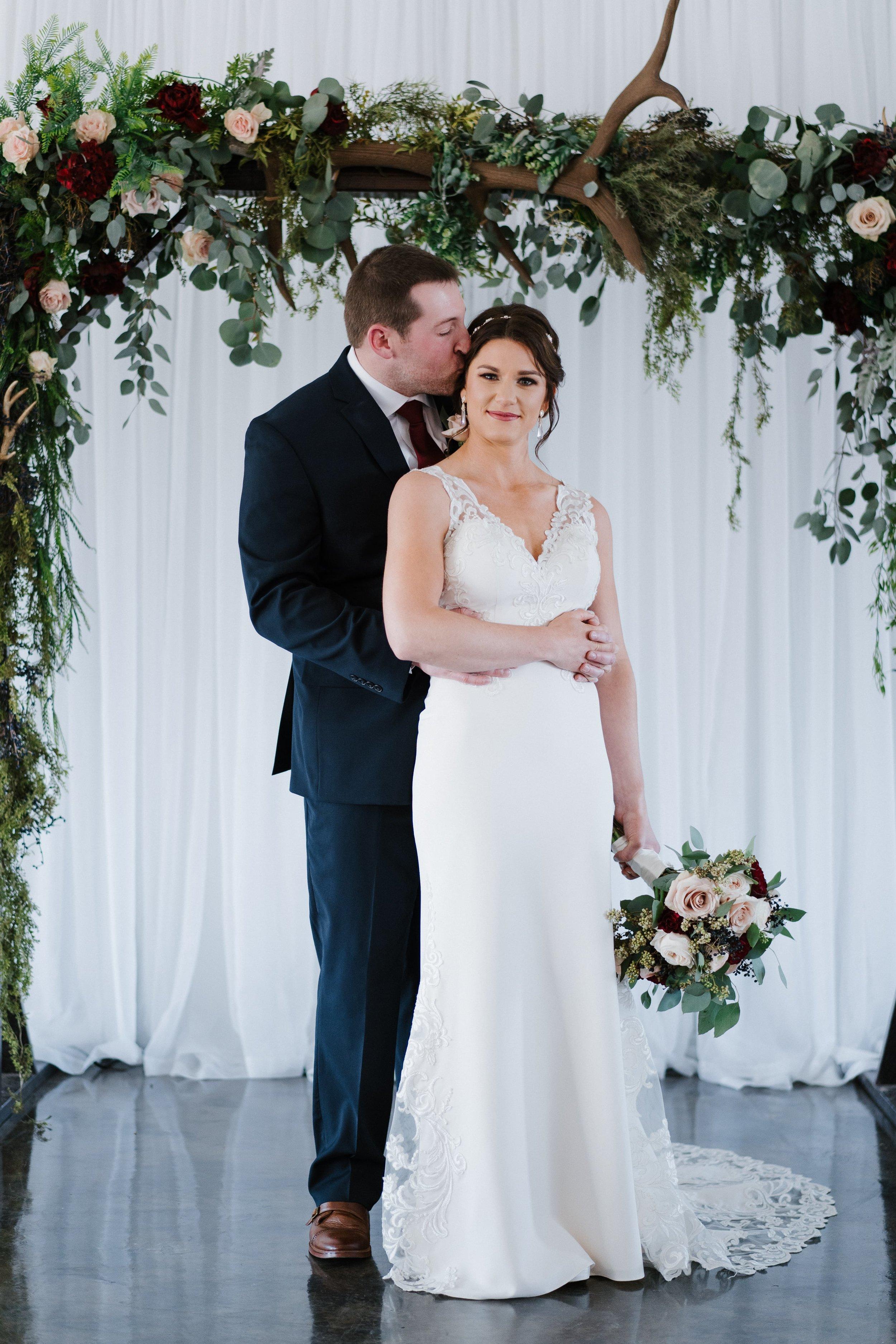 Tulsa Wedding Venues White Barn 17.jpg