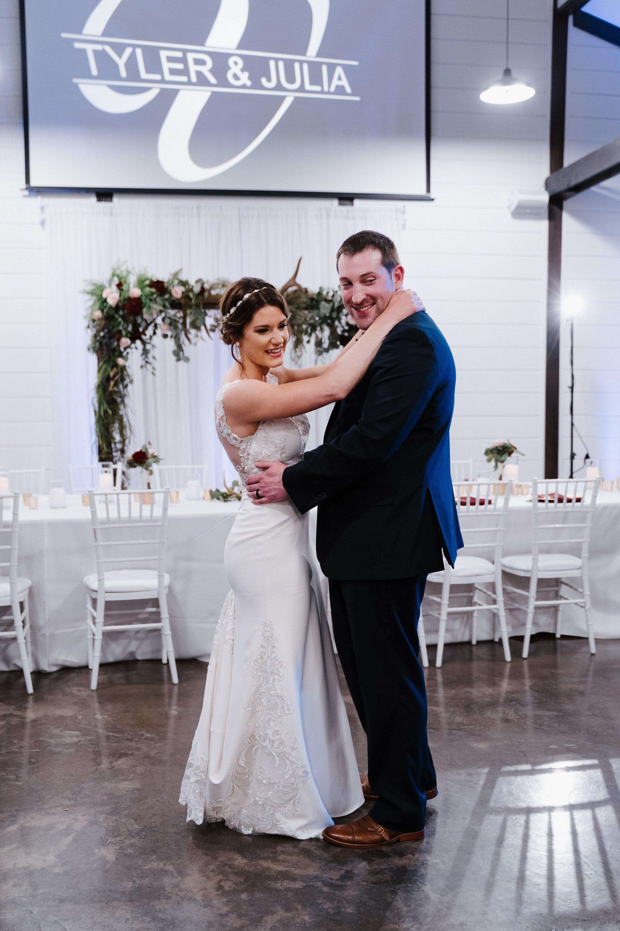 Tulsa Wedding Venues White Barn 37.jpg