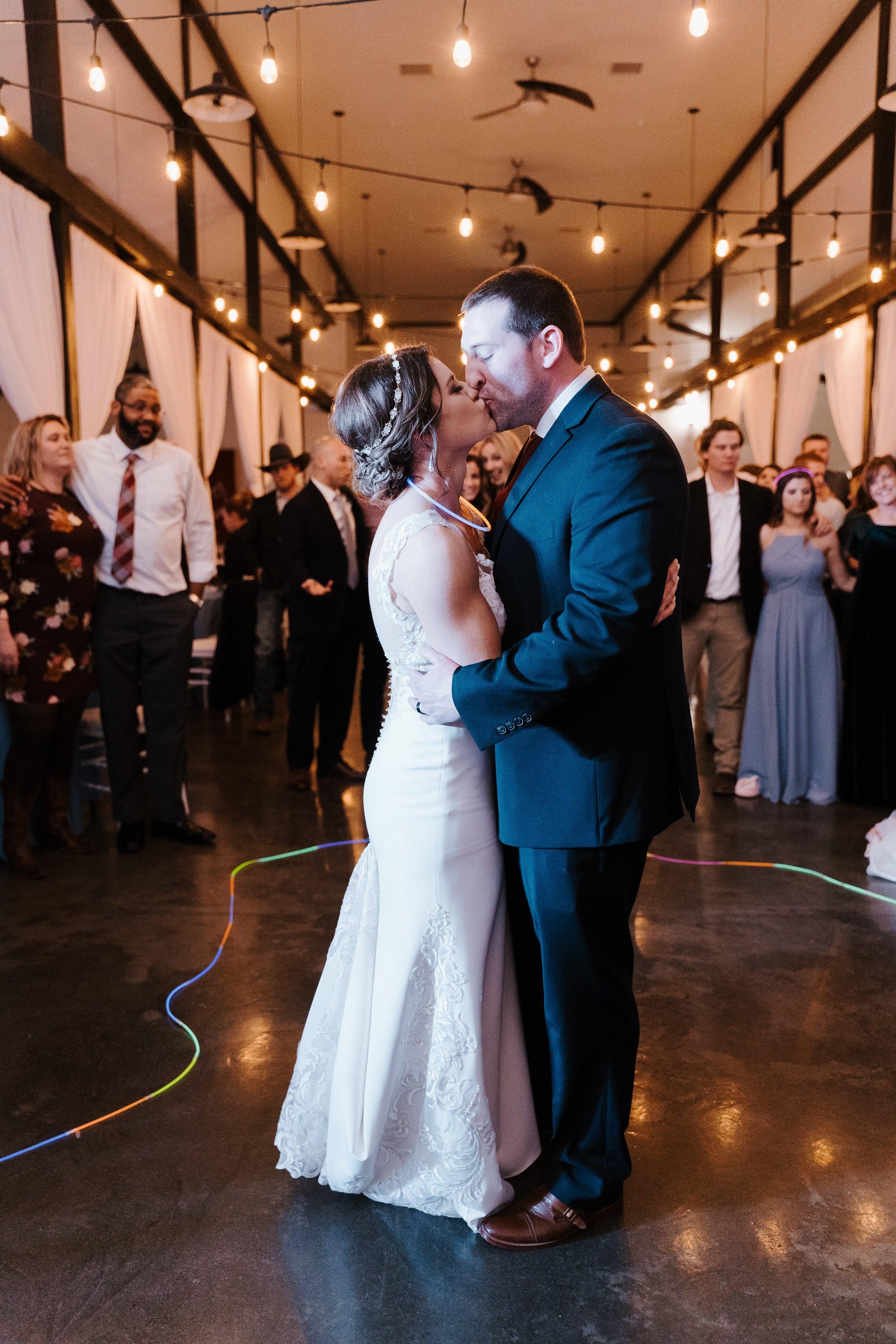 Tulsa Wedding Venues White Barn 43.jpg