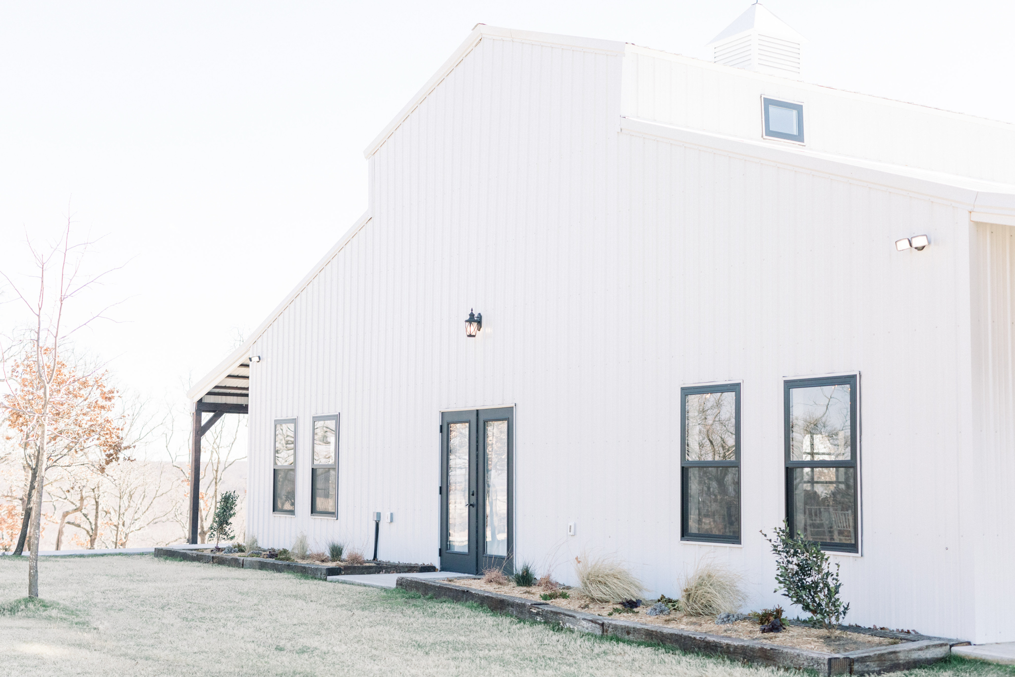 Tulsa Wedding Venues White Barn Bixby 3.jpg