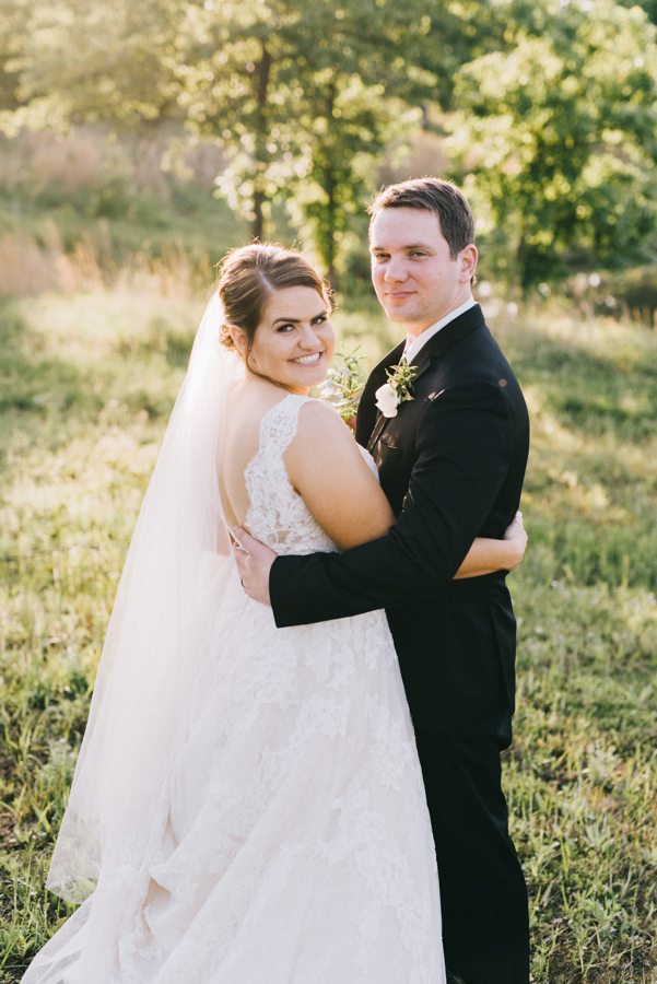 Dream Point Ranch Tulsa White Barn Wedding Venue 17.jpg
