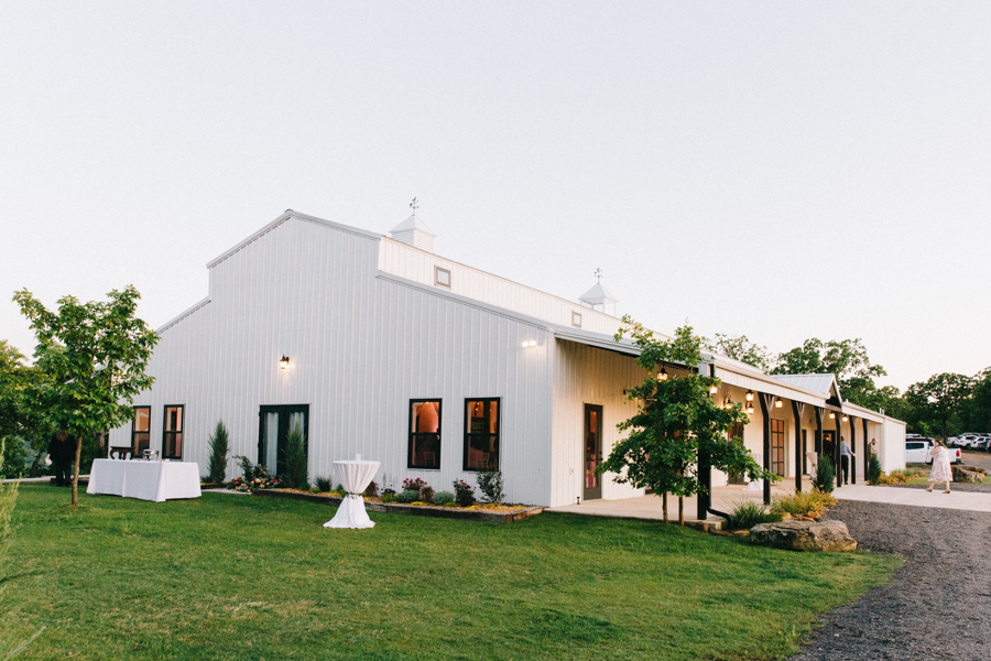 Dream Point Ranch White Barn Tulsa Wedding Venues 10.jpg
