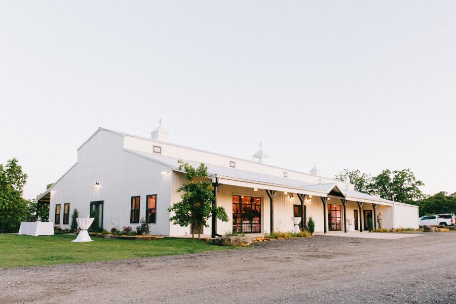 Dream Point Ranch White Barn Tulsa Wedding Venues 11.jpg