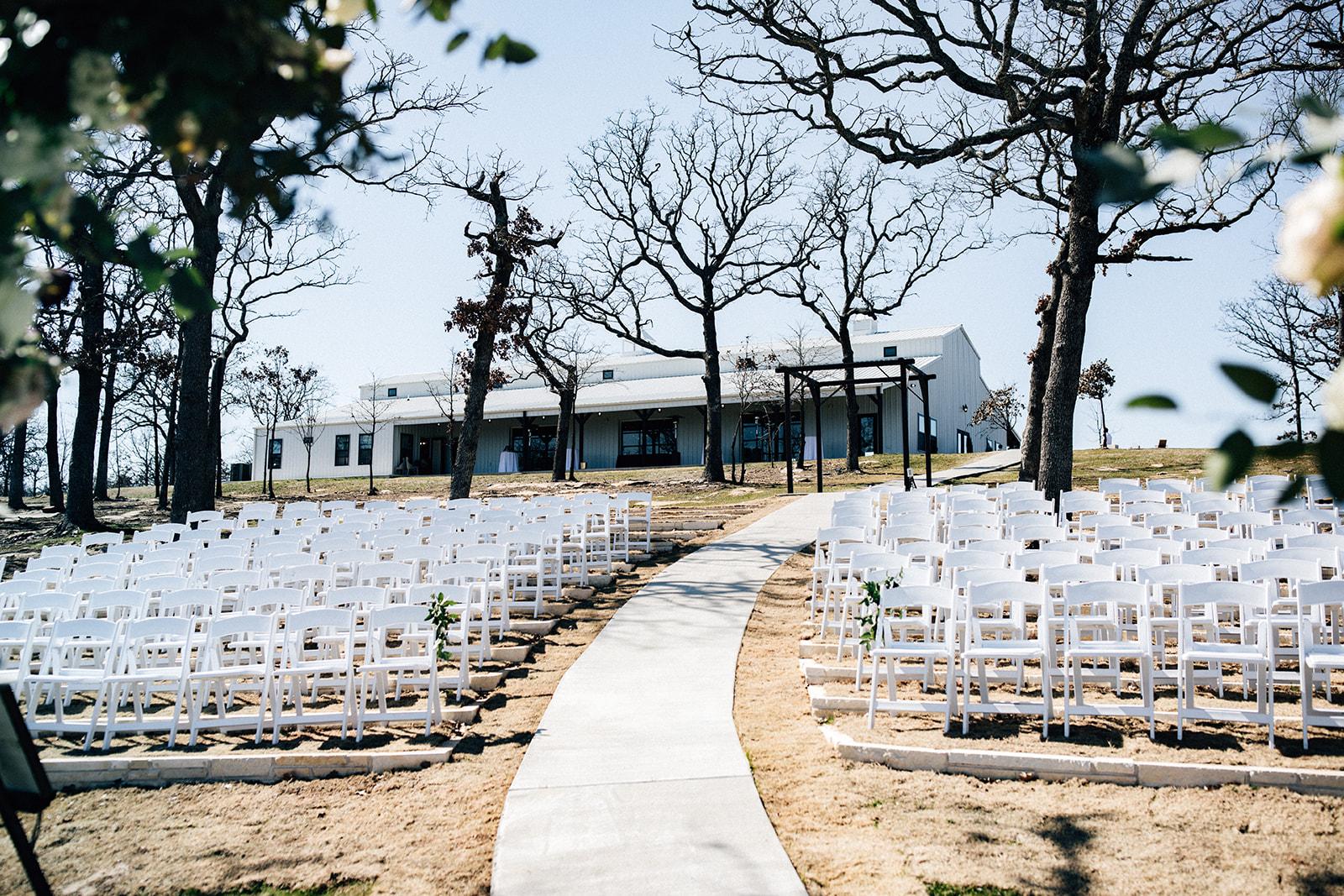 wedding venues tulsa bixby white barn 14.jpg