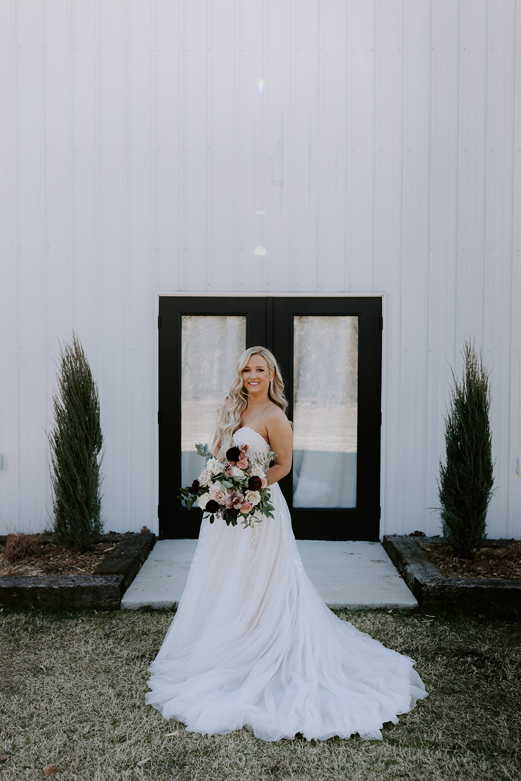 wedding venues tulsa bixby white barn 22.jpg