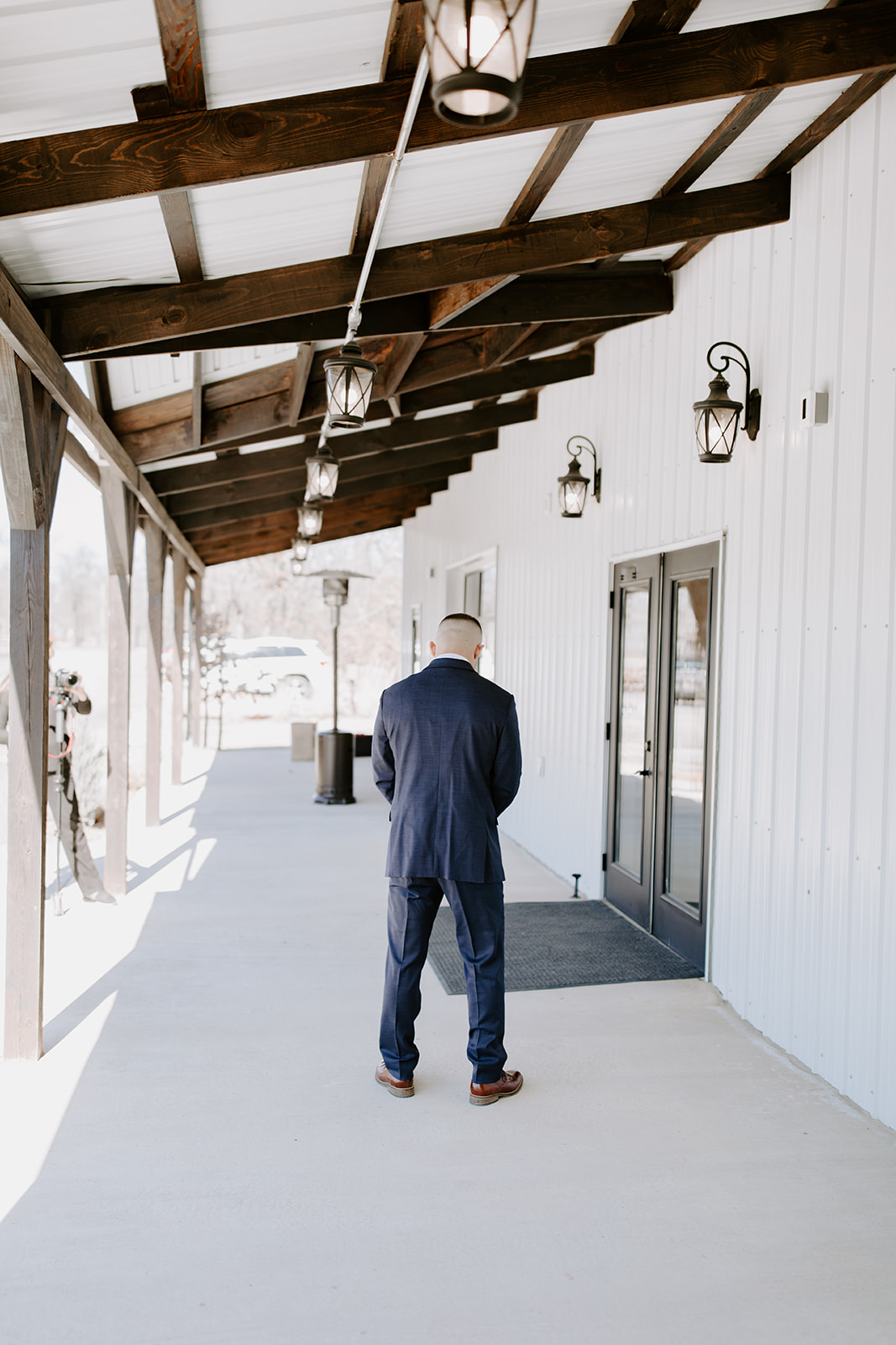 wedding venues tulsa bixby white barn 23.jpg