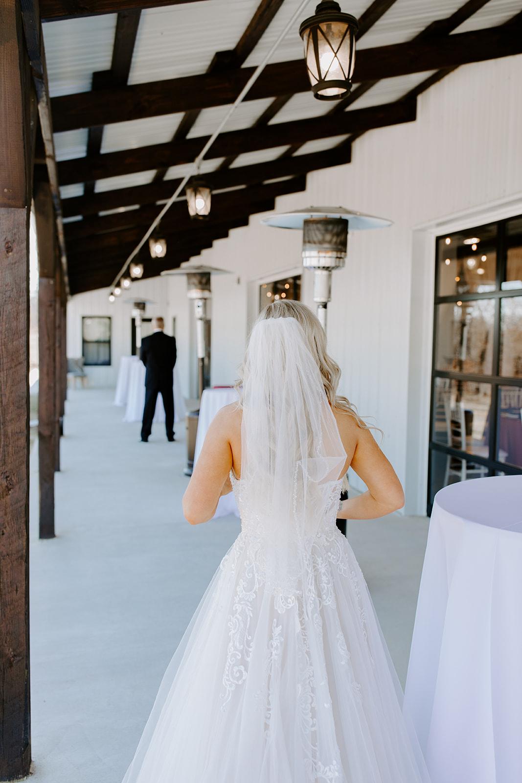 wedding venues tulsa bixby white barn 28.jpg
