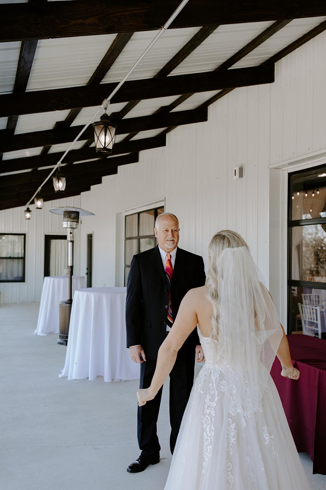 wedding venues tulsa bixby white barn 29.jpg