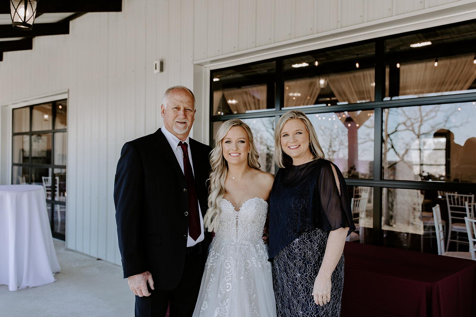 wedding venues tulsa bixby white barn 31.jpg