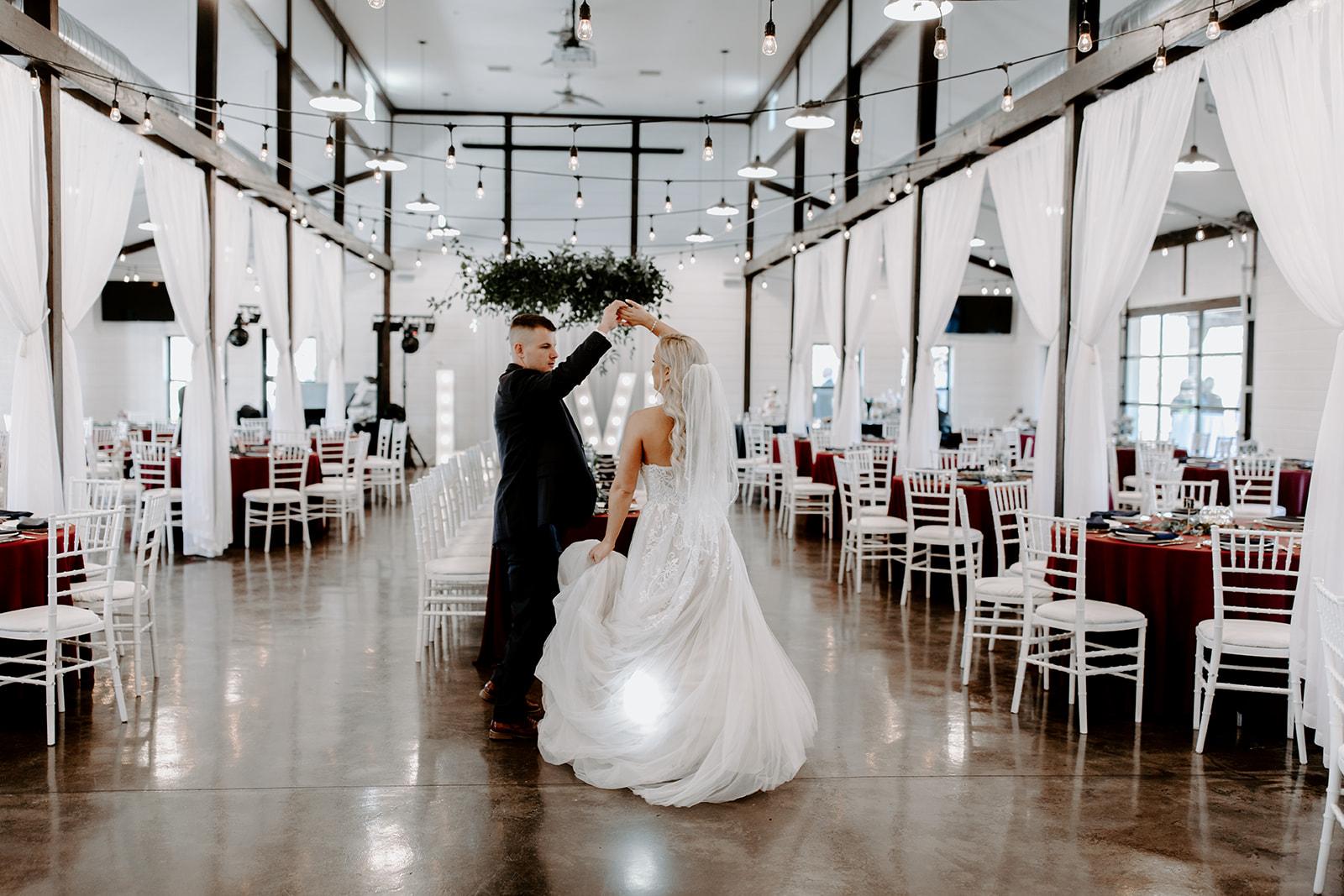 wedding venues tulsa bixby white barn 38.jpg