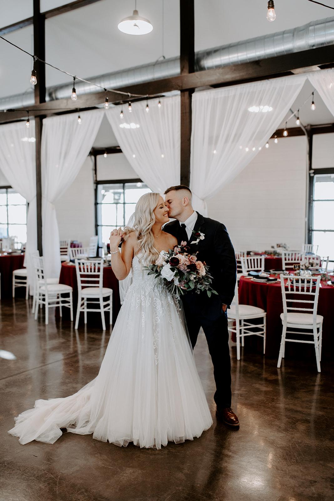 wedding venues tulsa bixby white barn 41.jpg