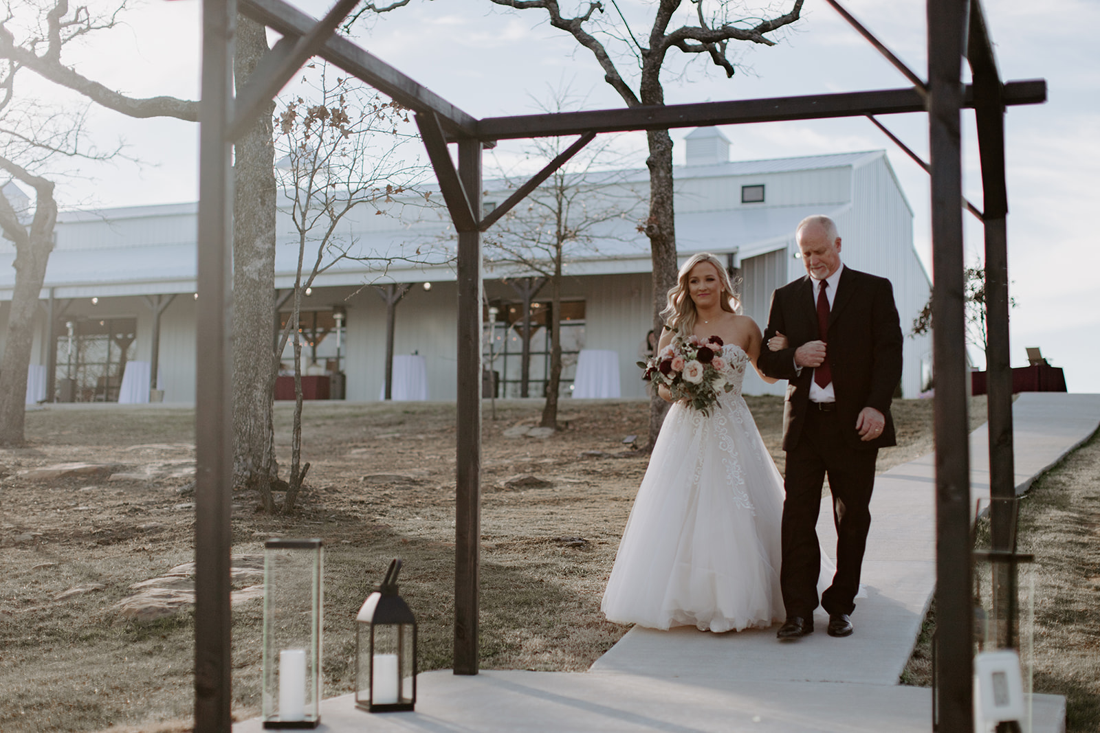 wedding venues tulsa bixby white barn 45.jpg