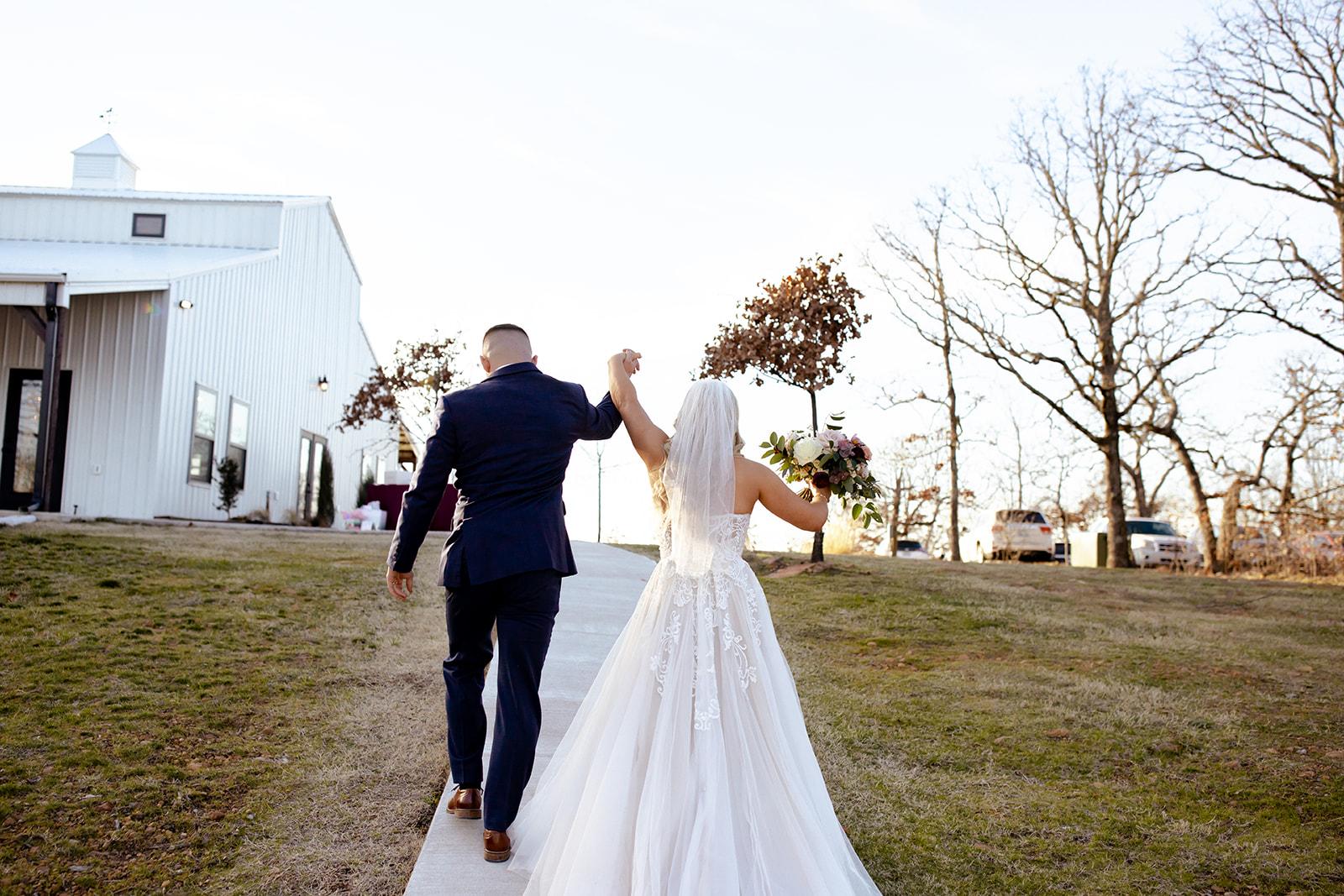 wedding venues tulsa bixby white barn 51.jpg