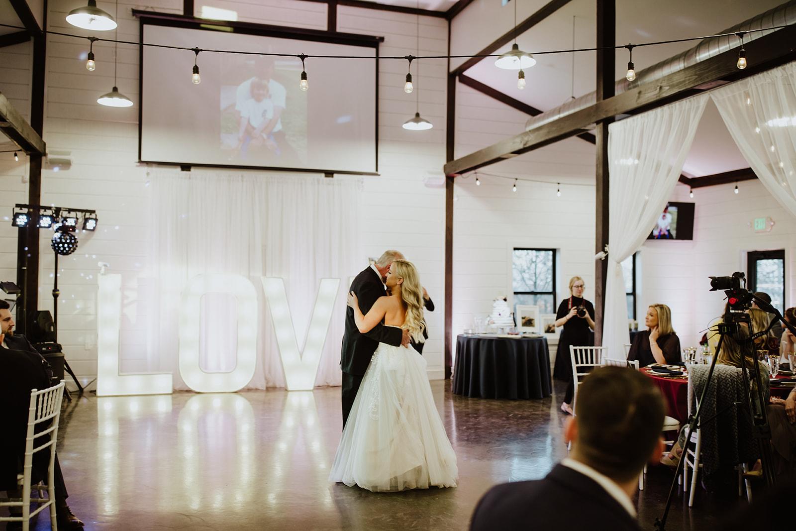 wedding venues tulsa bixby white barn 62.jpg
