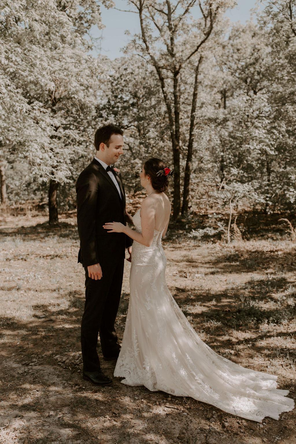 Tulsa Wedding Venues White Barn Bixby 12.jpg