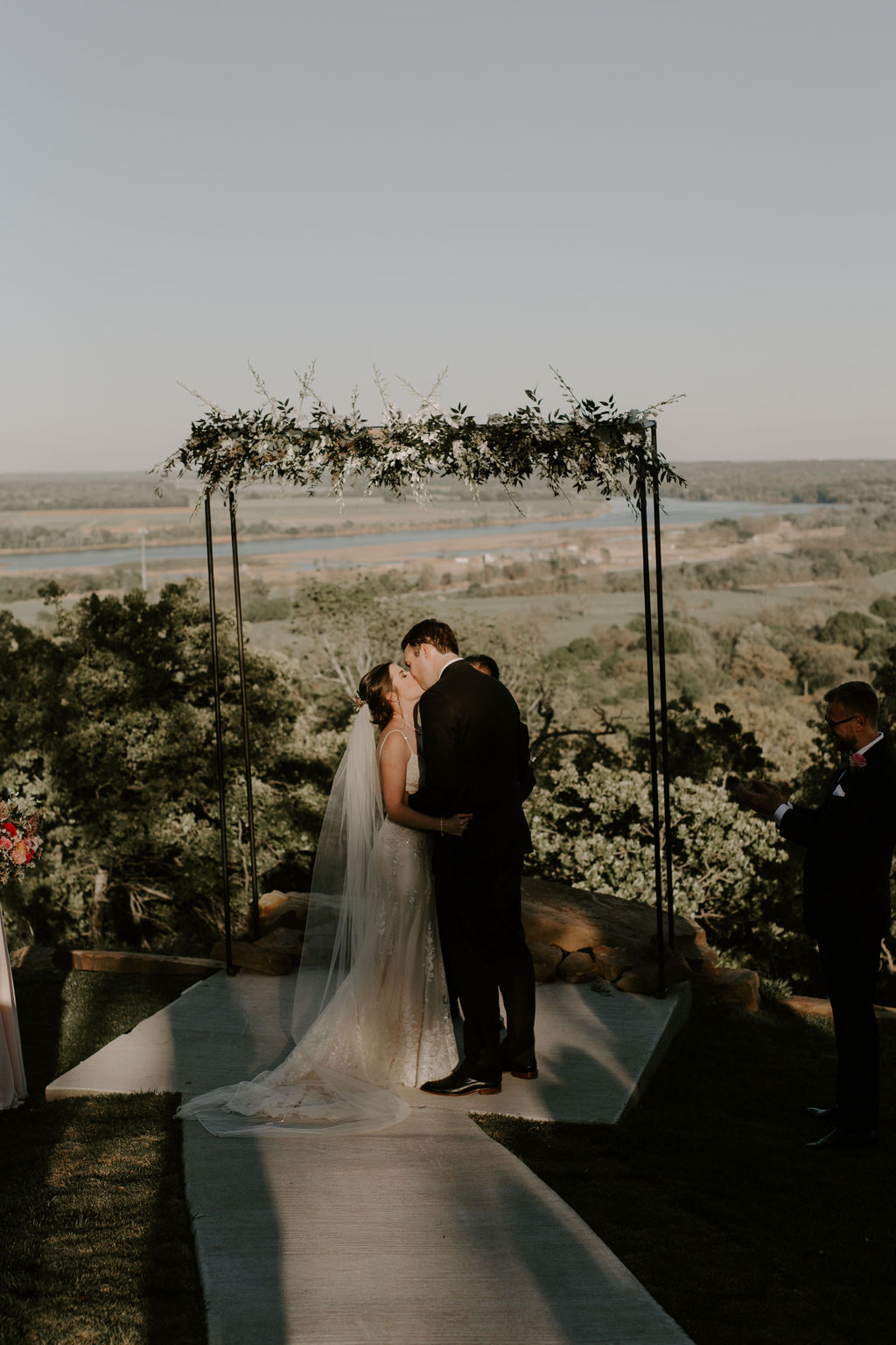 Tulsa Wedding Venues White Barn Bixby 58.jpg