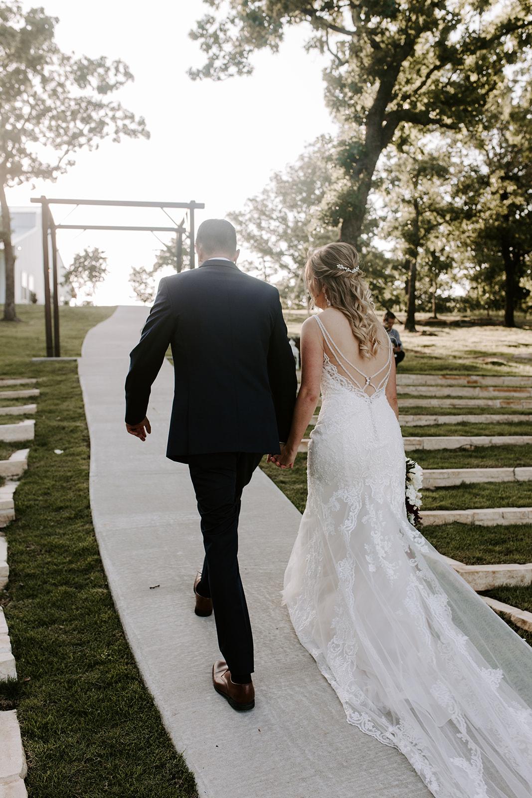 Wedding Venues in Tulsa white barn Dream Point Ranch 38.jpg