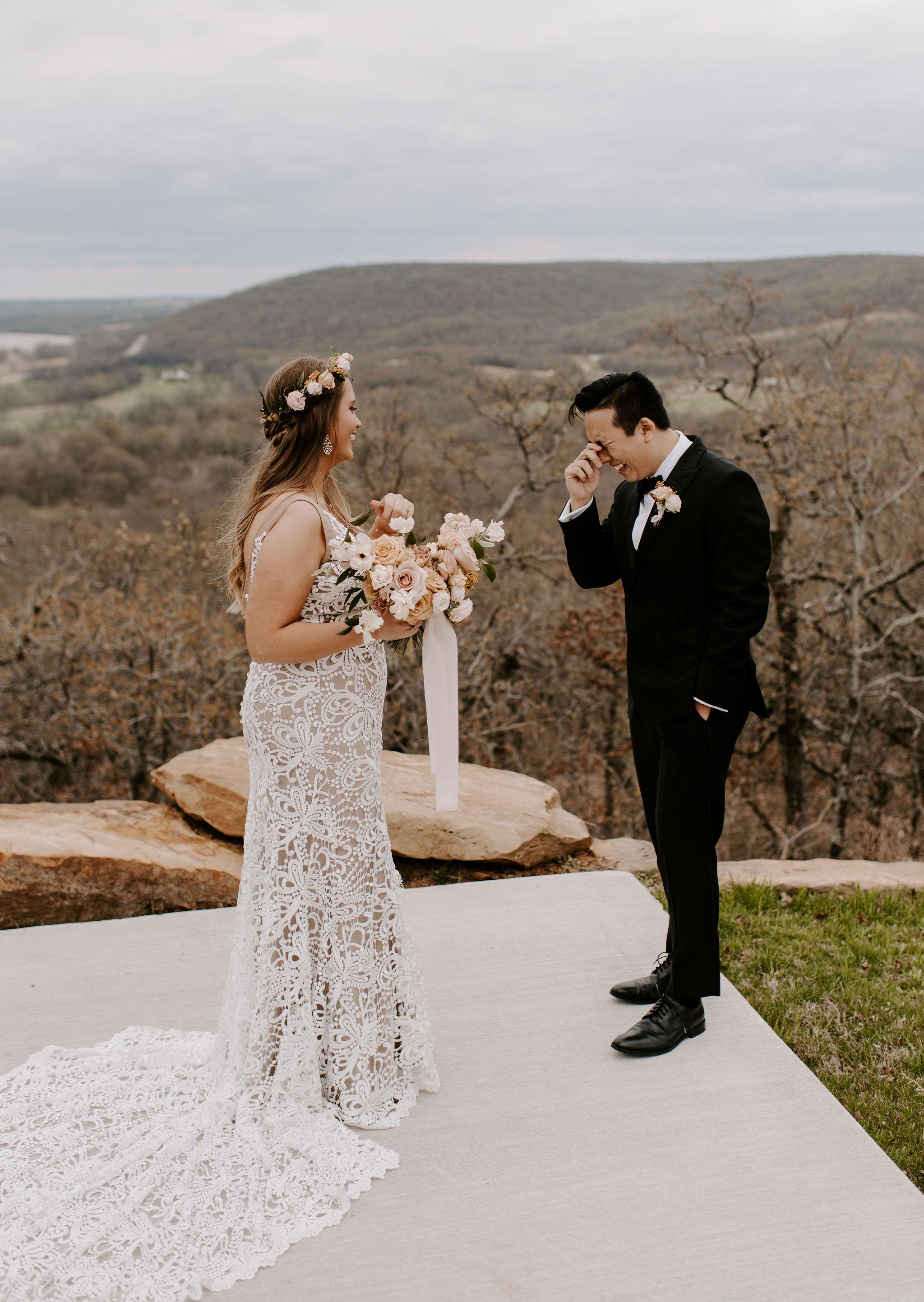 Tulsa Wedding Venue White Barn 11.jpg