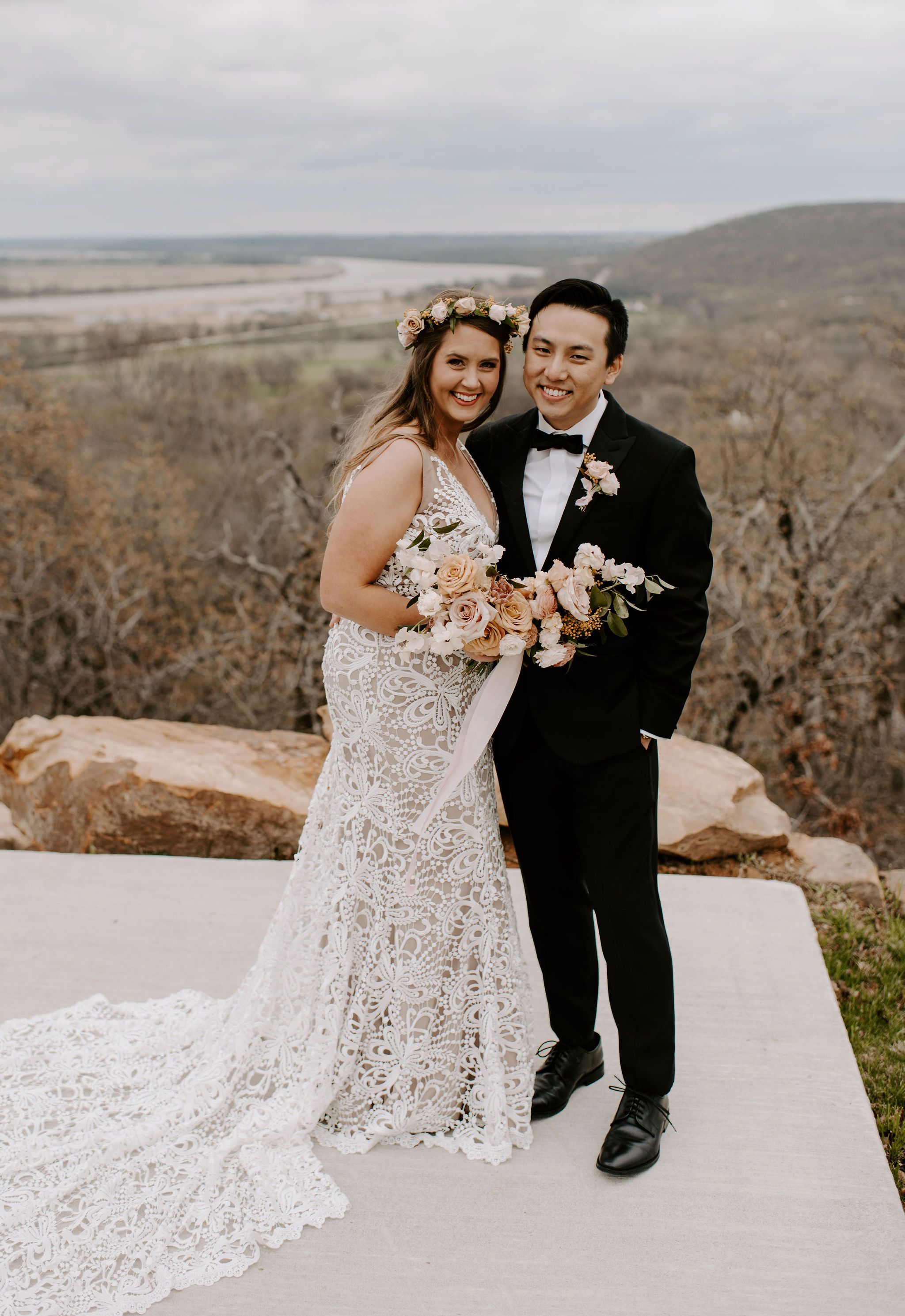 Tulsa Wedding Venue White Barn 12.jpg