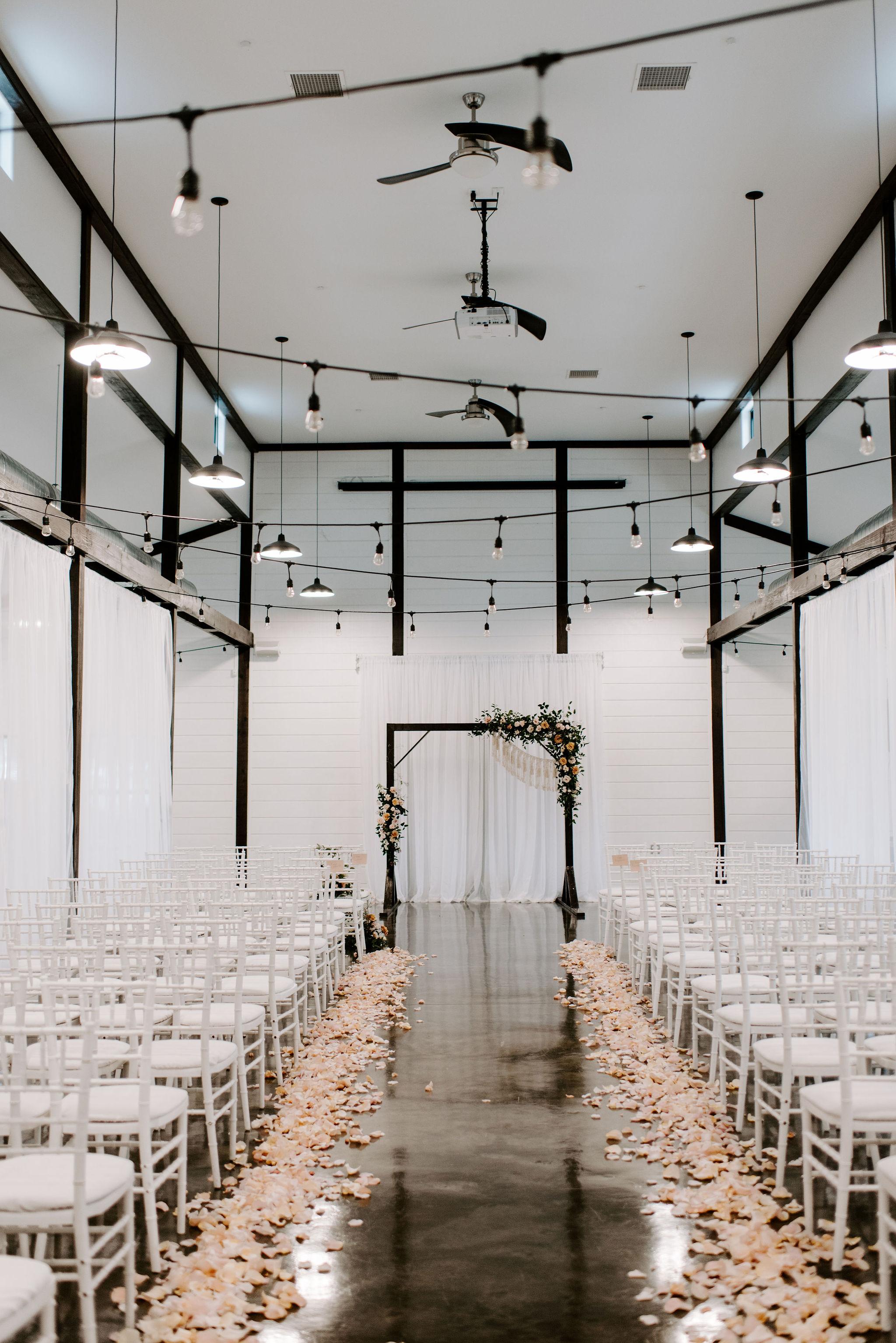 Tulsa Wedding Venue White Barn 23.jpg