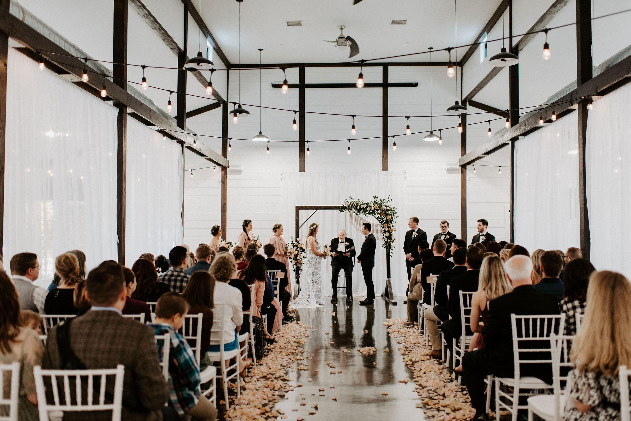 Tulsa Wedding Venue White Barn 28.jpg