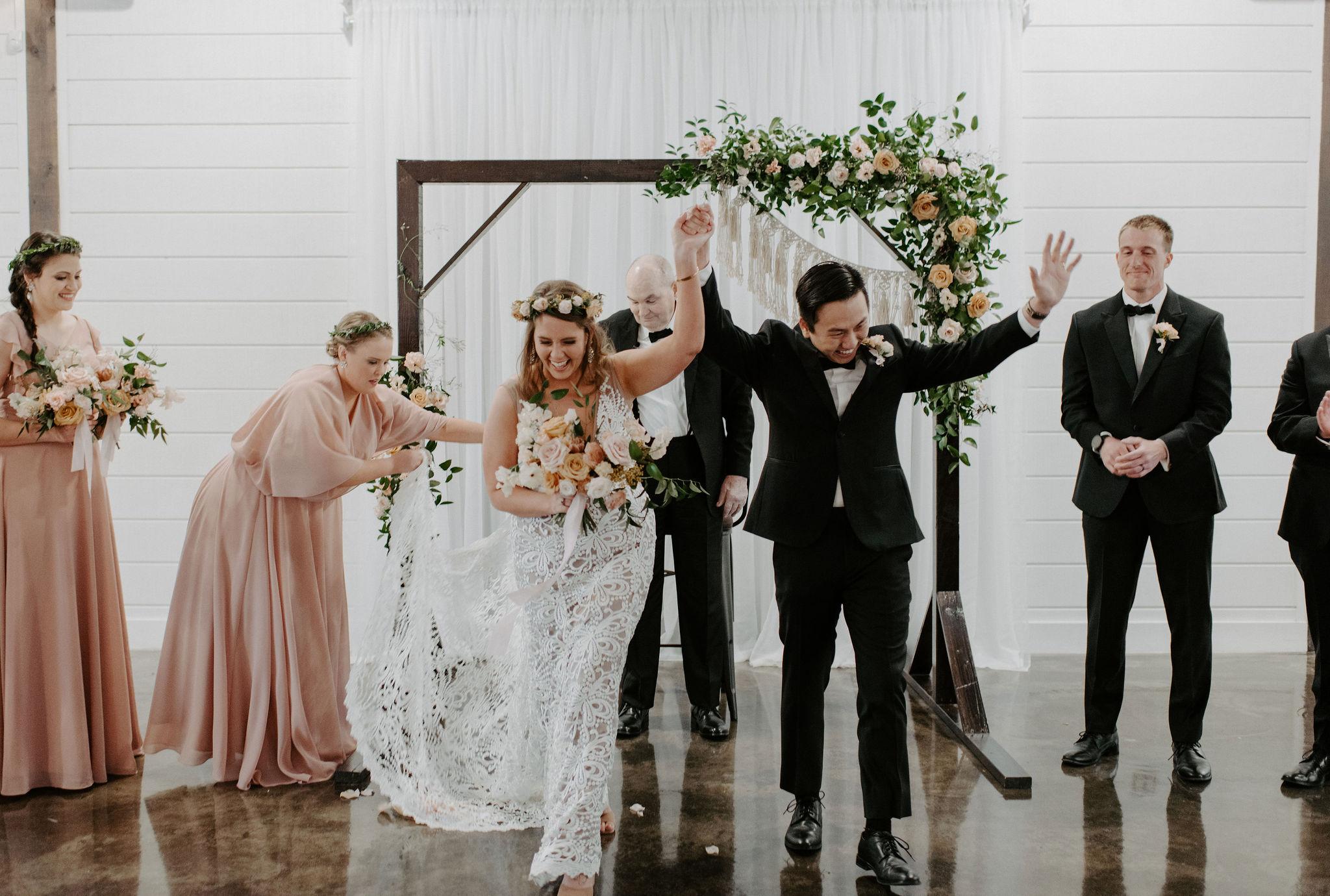 Tulsa Wedding Venue White Barn 33.jpg