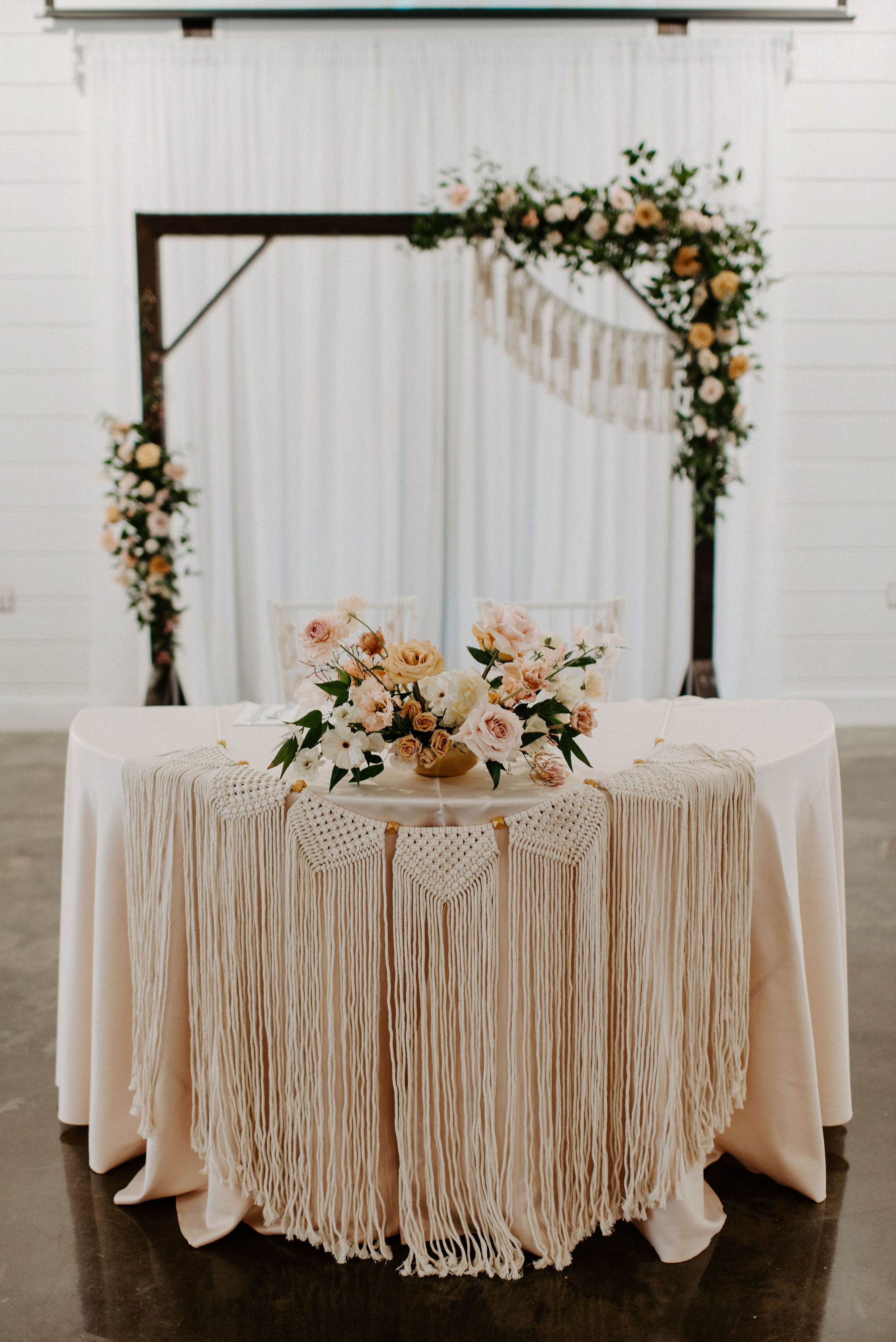 Dream Point Ranch Tulsa's White Barn Wedding Venue 3.jpg