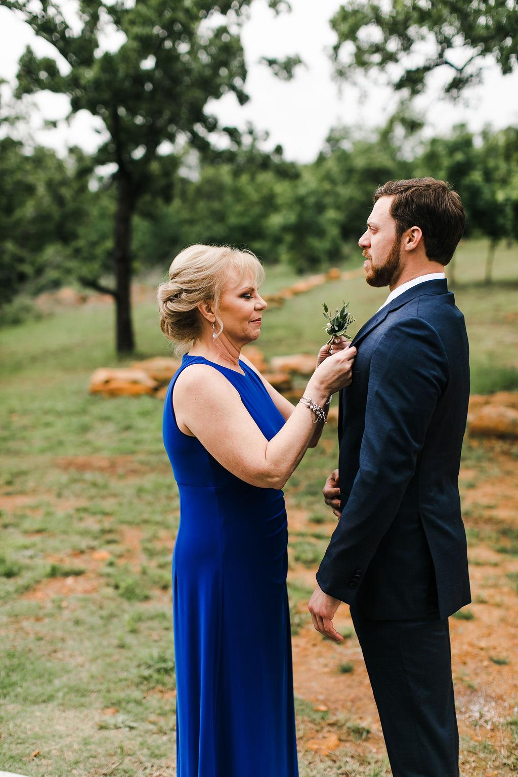 Dream Point Ranch Tulsa's White Barn Wedding Venue 15.jpg