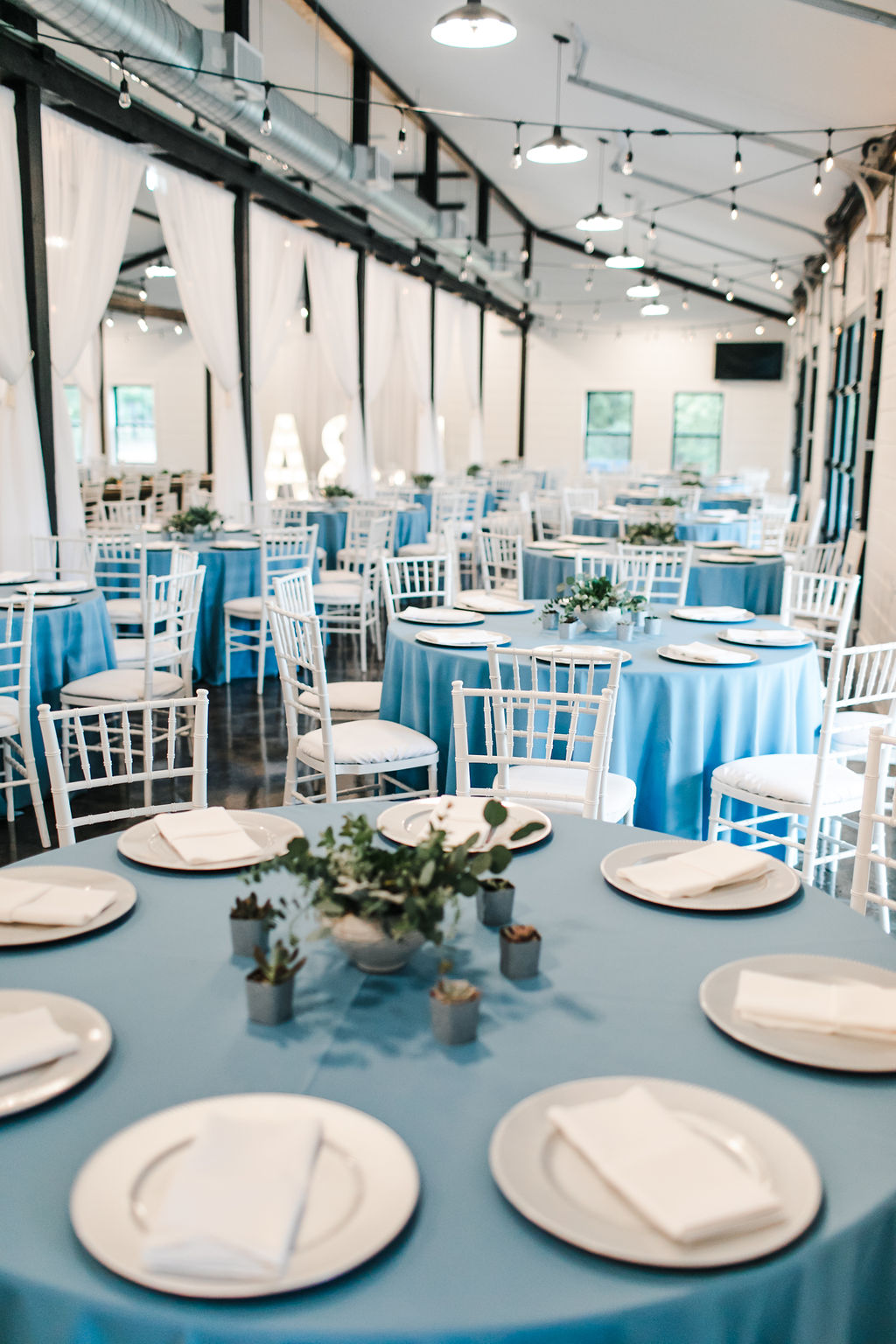 Dream Point Ranch Tulsa's White Barn Wedding Venue 16.jpg