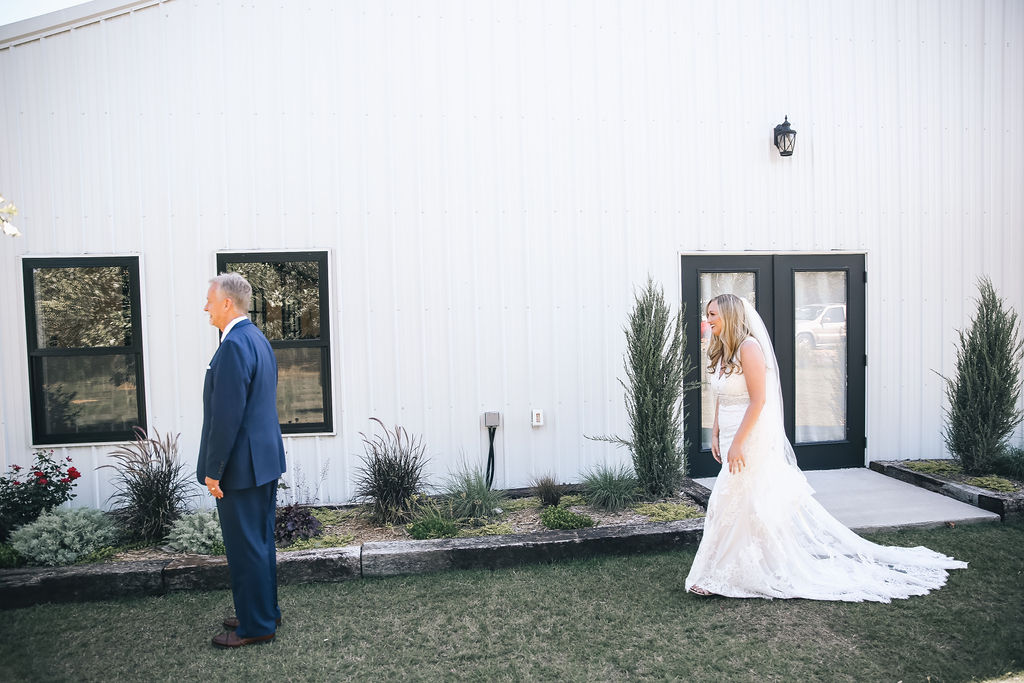 Tulsa Wedding White Barn 19.JPG