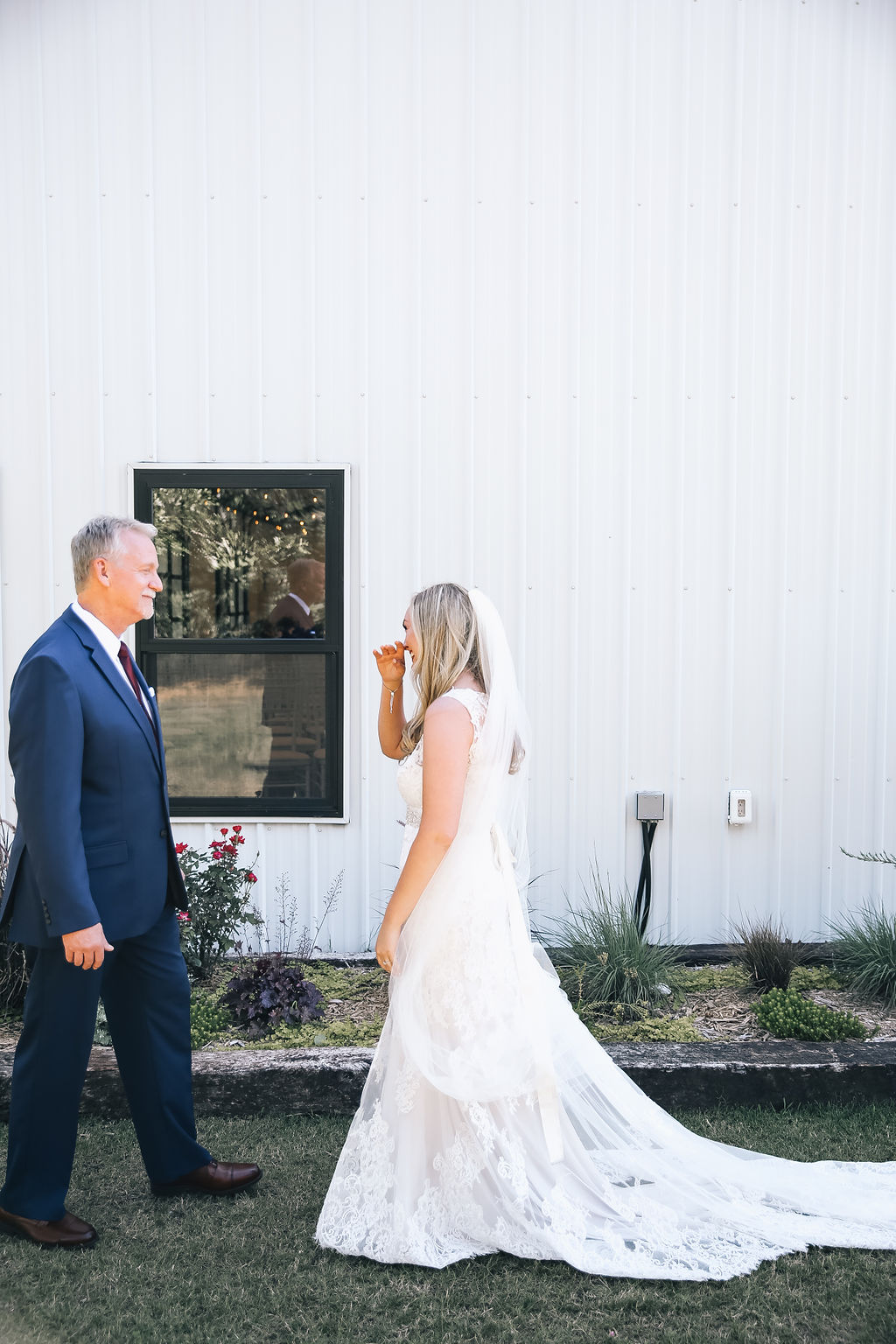 Tulsa Wedding White Barn 21.JPG