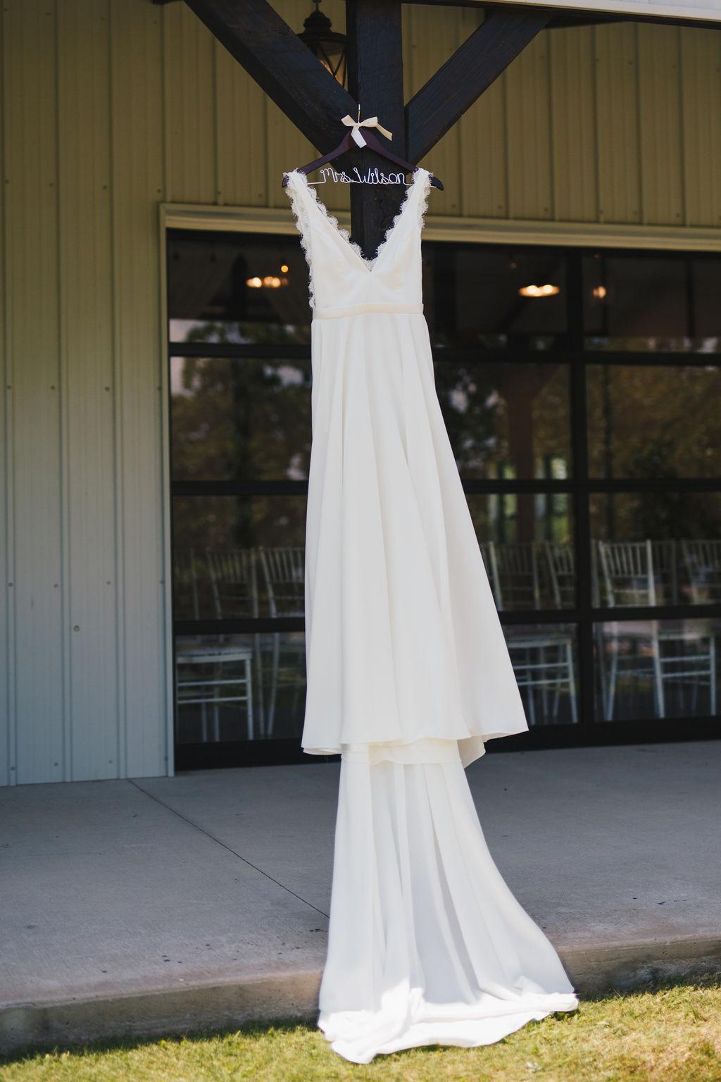 Bixby White Barn Tulsa Wedding 6.jpg