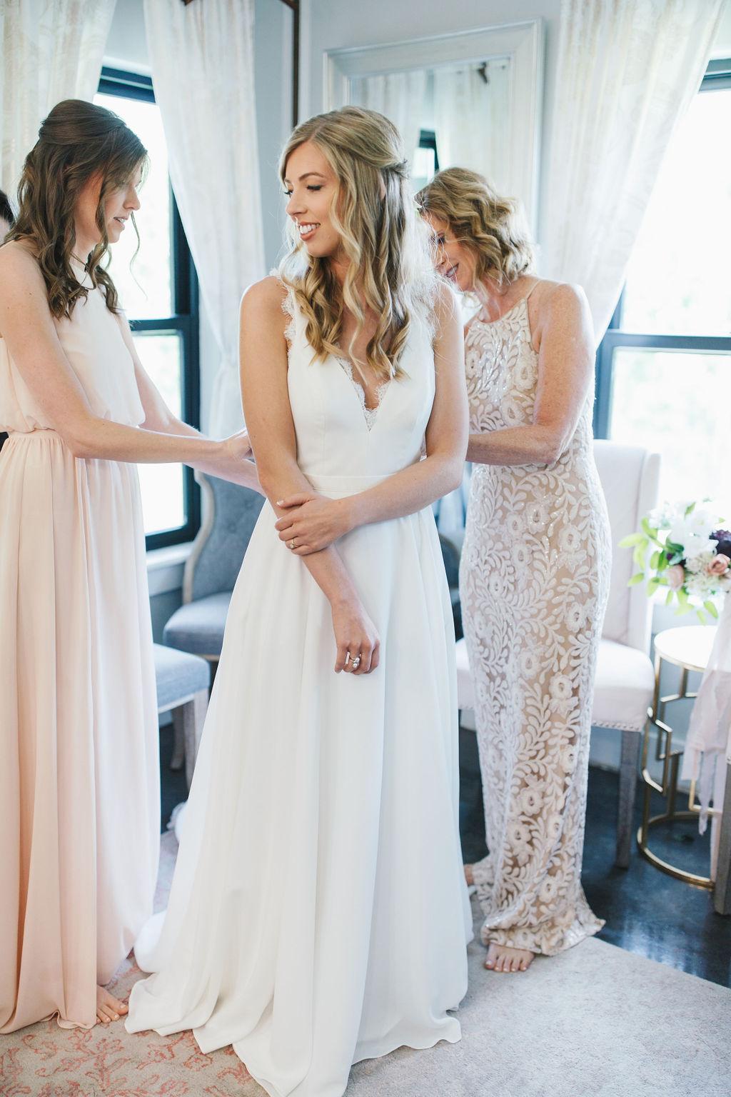 Bixby White Barn Tulsa Wedding 13.jpg